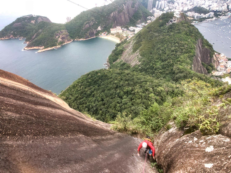 Escalada guiada no Pão de Açúcar, via CEPI com Secundo, Rio de Janeiro