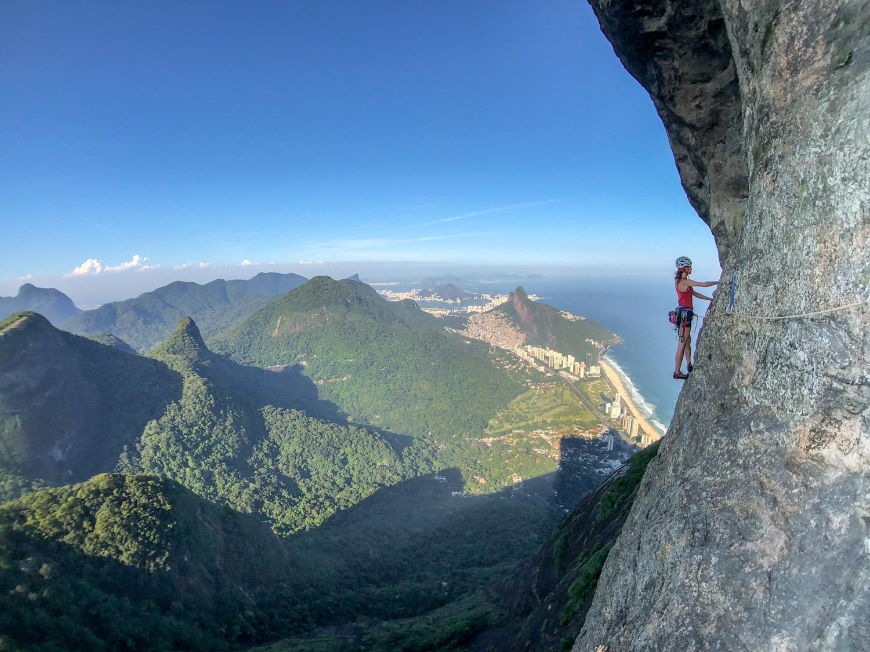 Escalada guiada na Pedra da Gávea, via Passagem dos Olhos, Rio de Janeiro