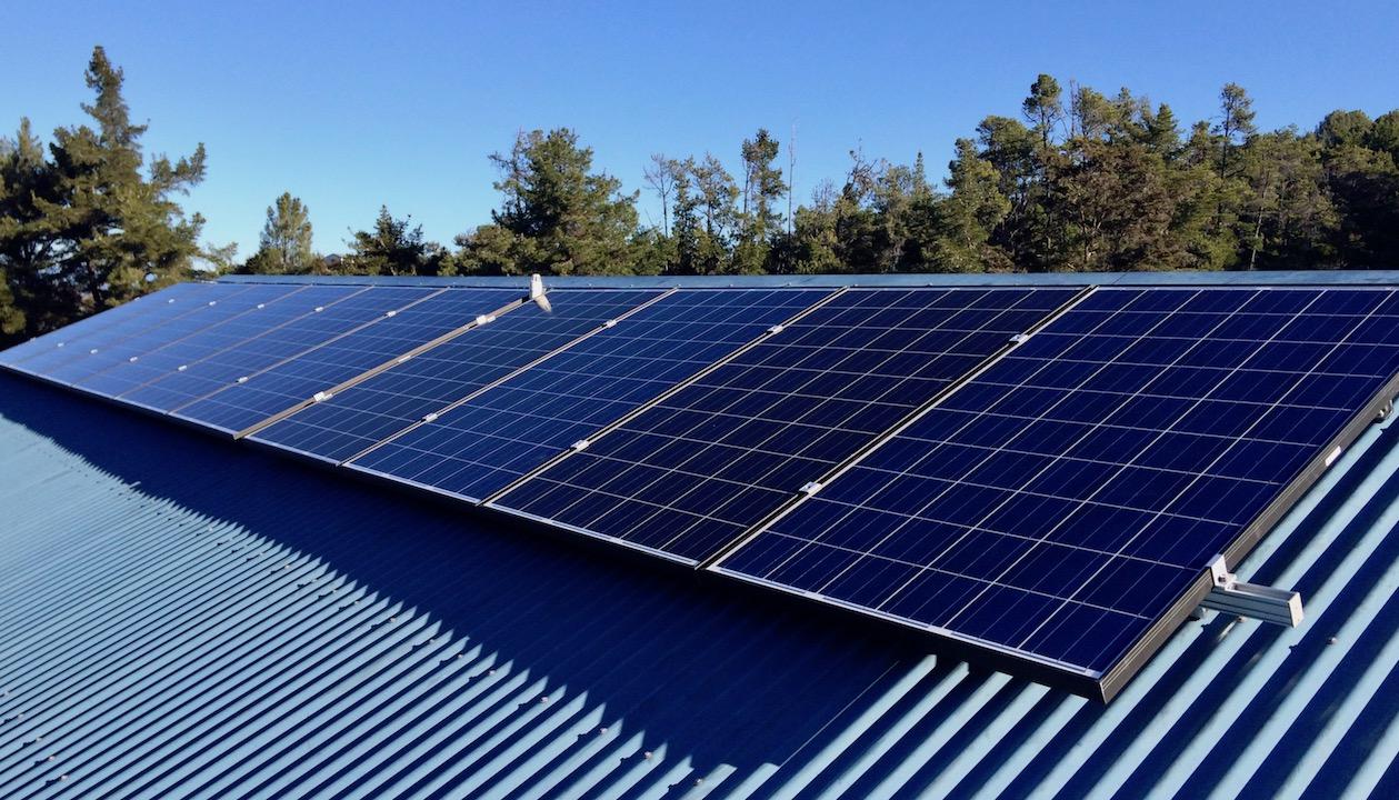 Brutscher - finished array on roof.jpg