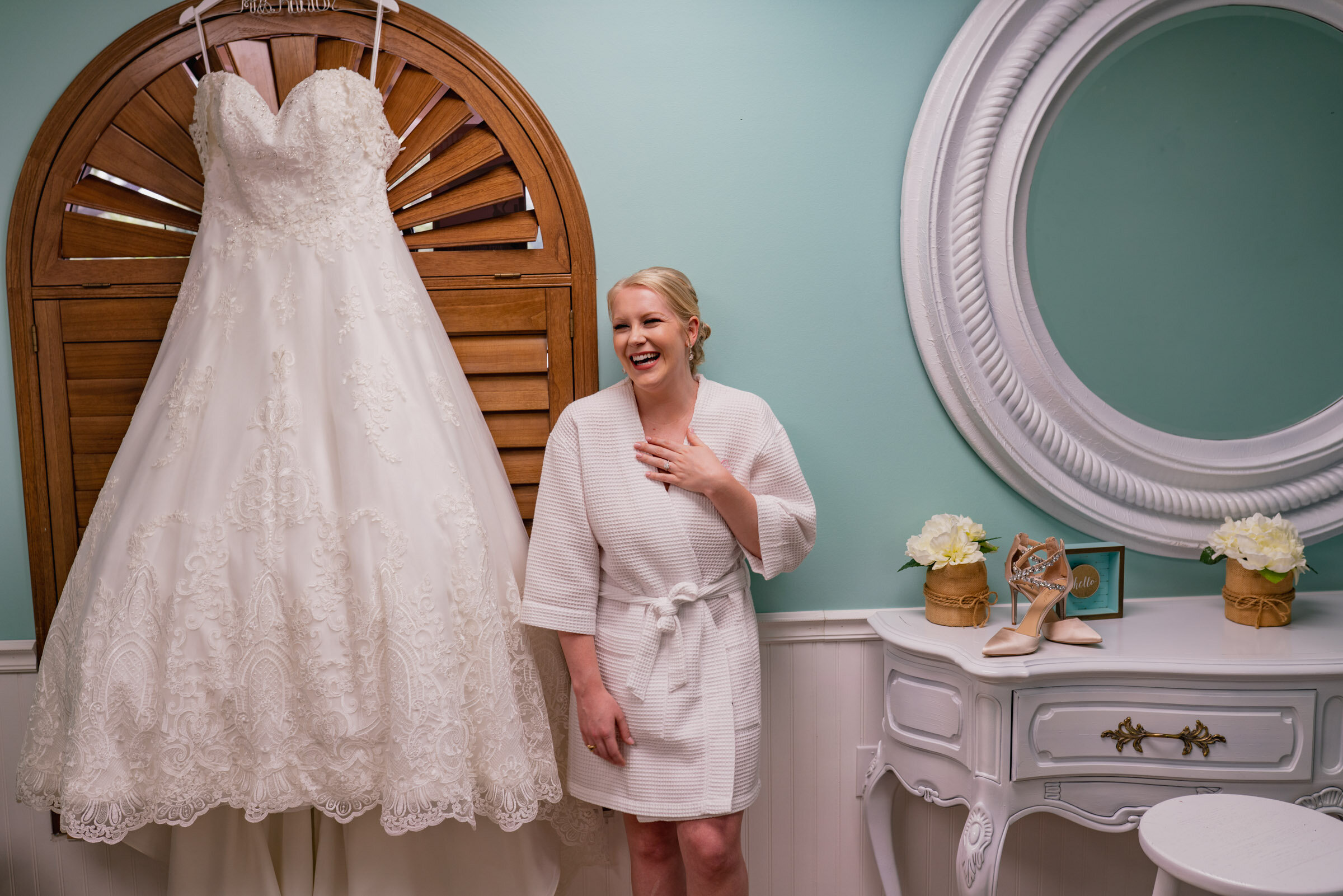 Our journalistic wedding photography matched Jessica's authentic and in-the-moment style