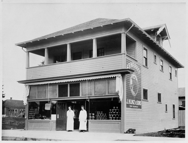 SP-market-1900.jpg