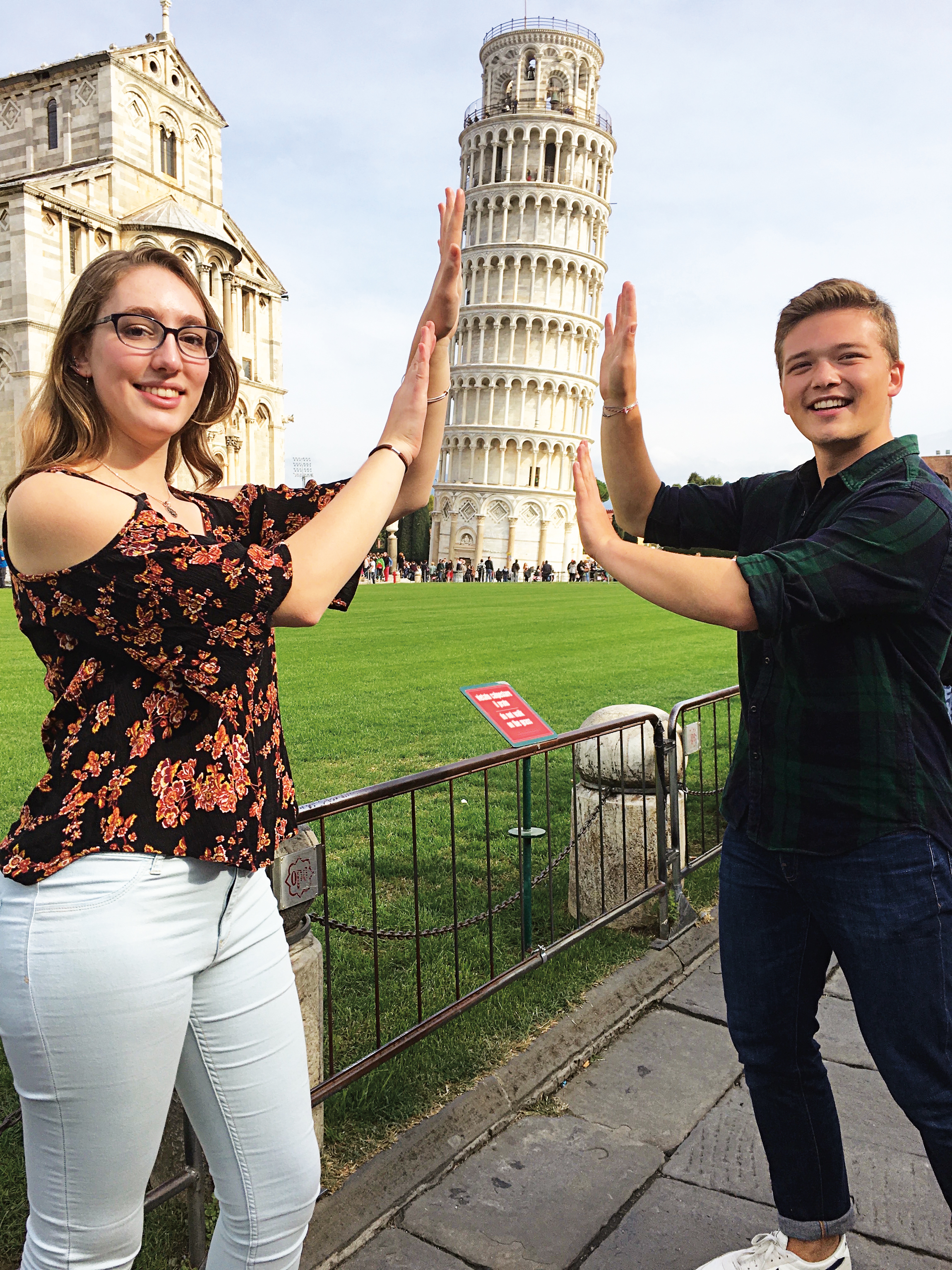 Lia Eggleston '17 and Doug Robbins '17 connected in Pisa, Italy.