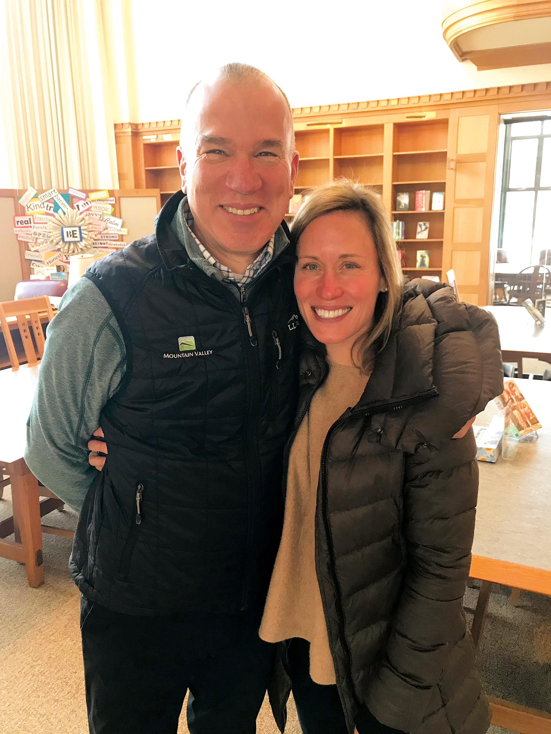 Dr. Beth Ames '94 and her uncle, Carl Lovejoy '75, at the Alumni Doorways retreat in January.