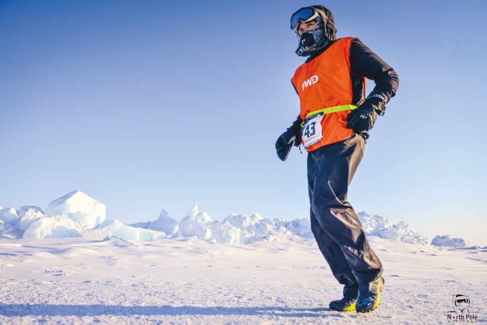 Ben Scully '82 powering through the elements at the North Pole Marathon.
