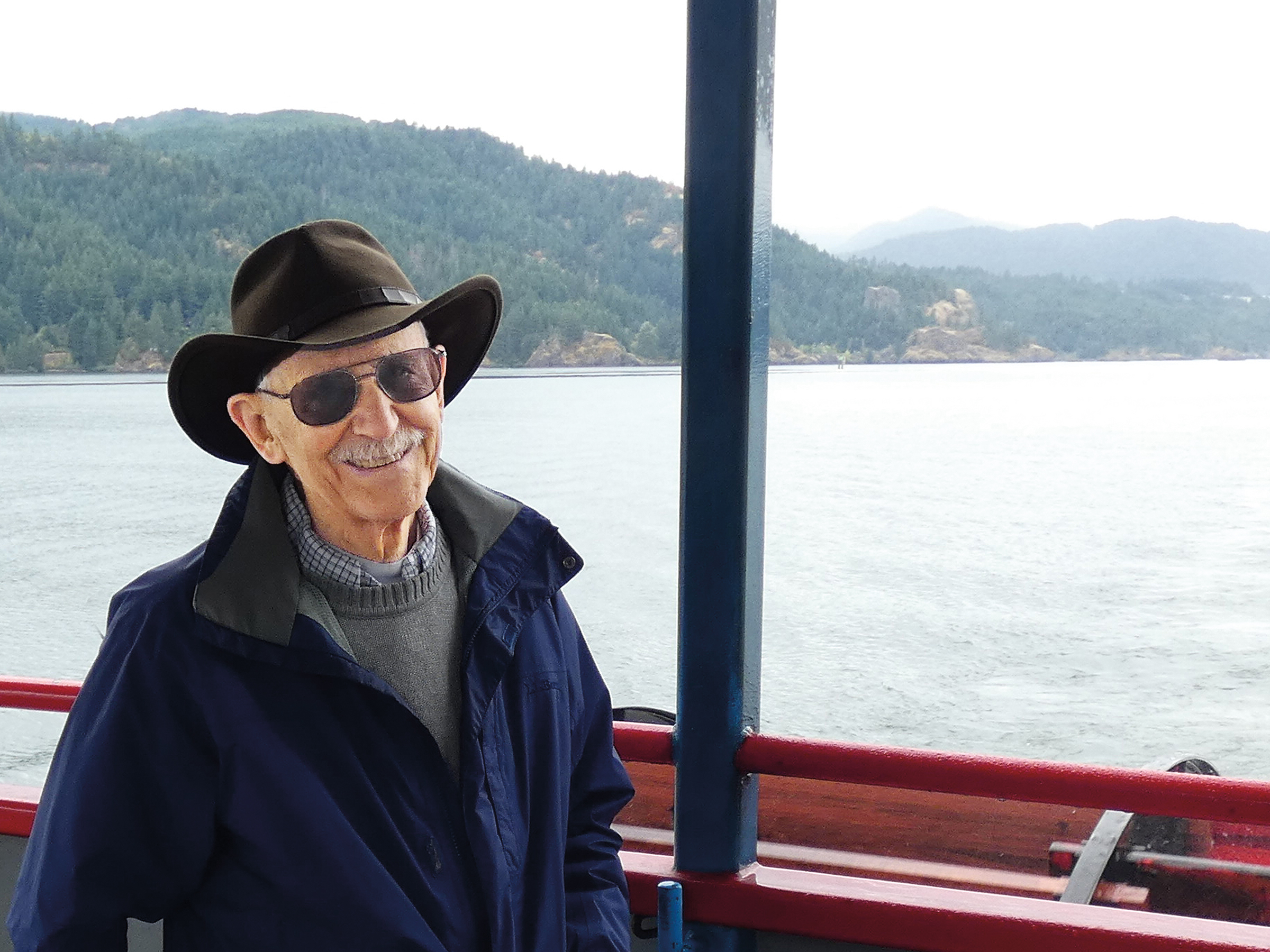 Dick McKee '50 on board the paddle wheeler Columbia Gorge.