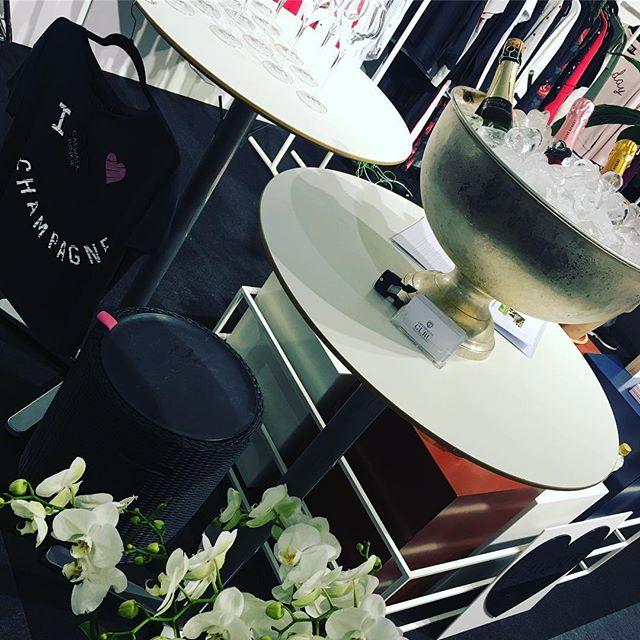 I ❤️Champagne 🍾 #cphfashionweek2017 #champagne @catwalk_junkie #goodlife #style