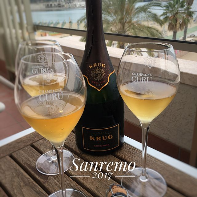 Life is about having a good time and with a great bottle of amazing champagne in Sanremo, life doesn't get any better 🍾🥂🇮🇹🌞 #goodlife #goodfriends #krugchampagne #sanremo @mia.wolff #champagne #vintage #italy