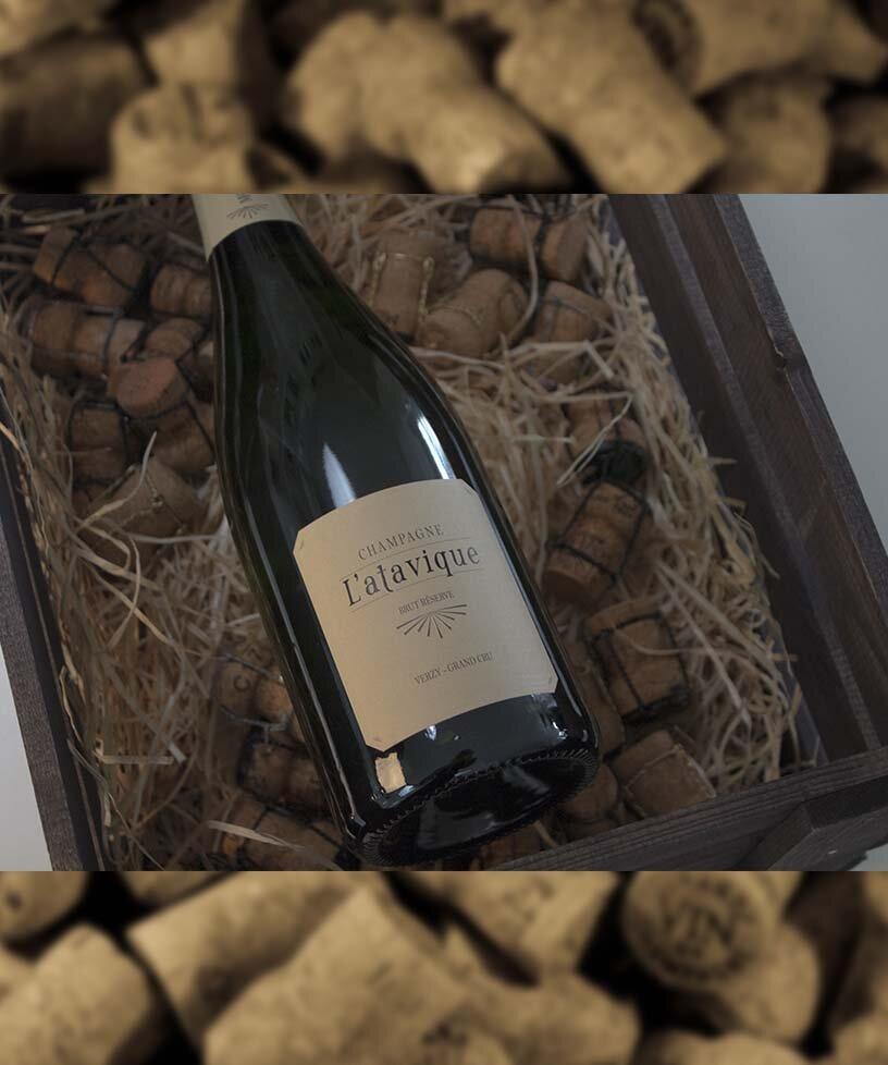 L´ATAVIQUE RÉSERVE EXTRA BRUT GRAND CRU - Drue: 65% Pinot Noir - 35% ChardonnayTerroir: Verzy Grand cru - biodynamiskBlanding: 80% årgang 2012 - 20% ReservéVinificering: 75% tåltanke - 25% egetræsfad(6 mån.)Malolaktisk gæring,ingen filtreringLaring: minimum 3 års lagring på flaskeDossage: 3 g/LFlaske: leveres i 0,75L