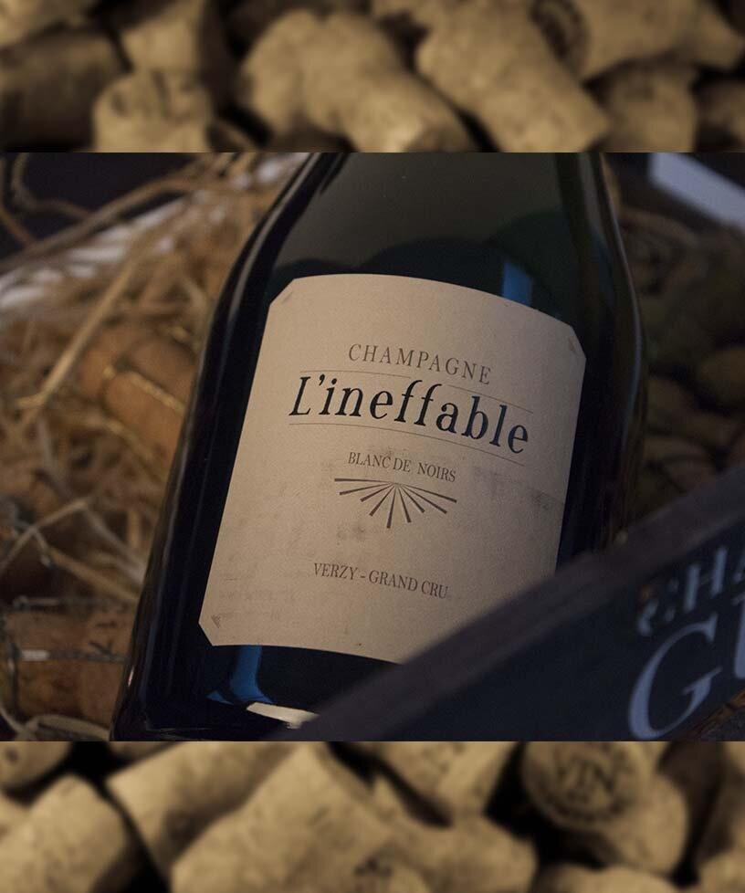 """Special Club"""" Millésime 2012 Brut nature Grand Cru - Drue: Pinot NoirTerroir: Verzy Grand cru - biodynamiskBlanding: årgang 2012Vinificering: 100% egetræsfad (6 mån.) Malolaktisk gæring, ingen filtreringLaring: 5 års lagring på flaske (på bærmen)Dossage: 0 g/LFlaske: leveres i 0,75L"""