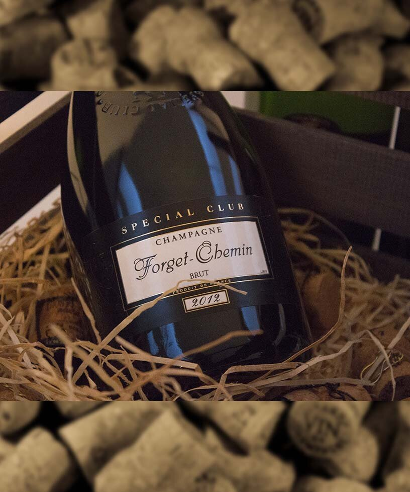 SPECIAL CLUB VINTAGE 2012 - Drue: 50% Chardonnay - 50% Pinot MeunierTerroir: Ludes - Verzenay - Mailly - TaissyBlanding: 2012Vinificering: Ståltanke - malolaktisk gæringLaring: minimum 4 års lagring på flaske (På bærmen)Dossage: 8 g/LFlaske: leveres i 0,75L