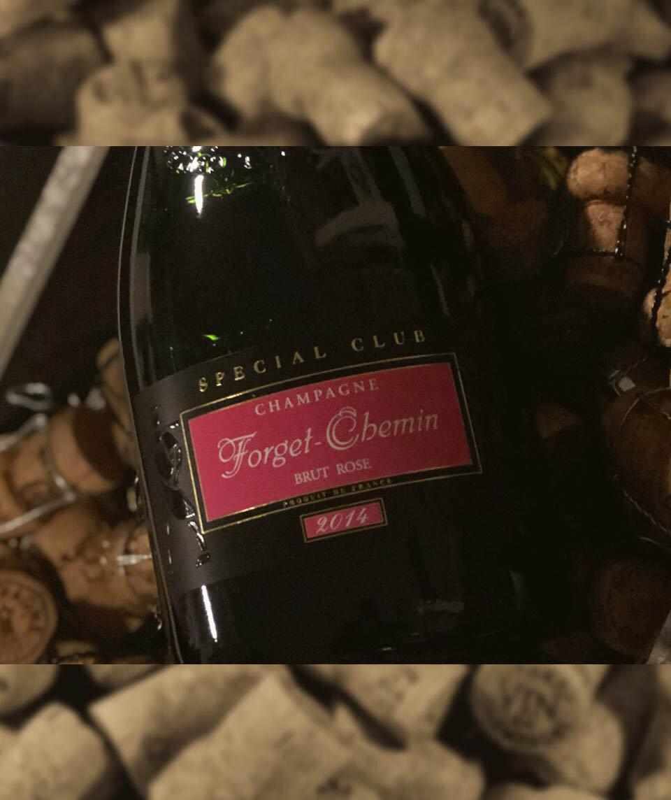 Special Club 2014 Rosé Grand cru - Drue: 40% Chardonnay - 40% Pinot Meunier - 20% Pinot NoirTerroir: Taissy, Ludes & Mailly (alder på vinstokke 40-50 år)Blanding: Årrgang 2014Vinificering: 100% ståltanke - malolaktisk gæringLagring: min. 4 års lagring på flaske (bærmen)Dossage: 8 g/LFlaske: leveres i 0,75L