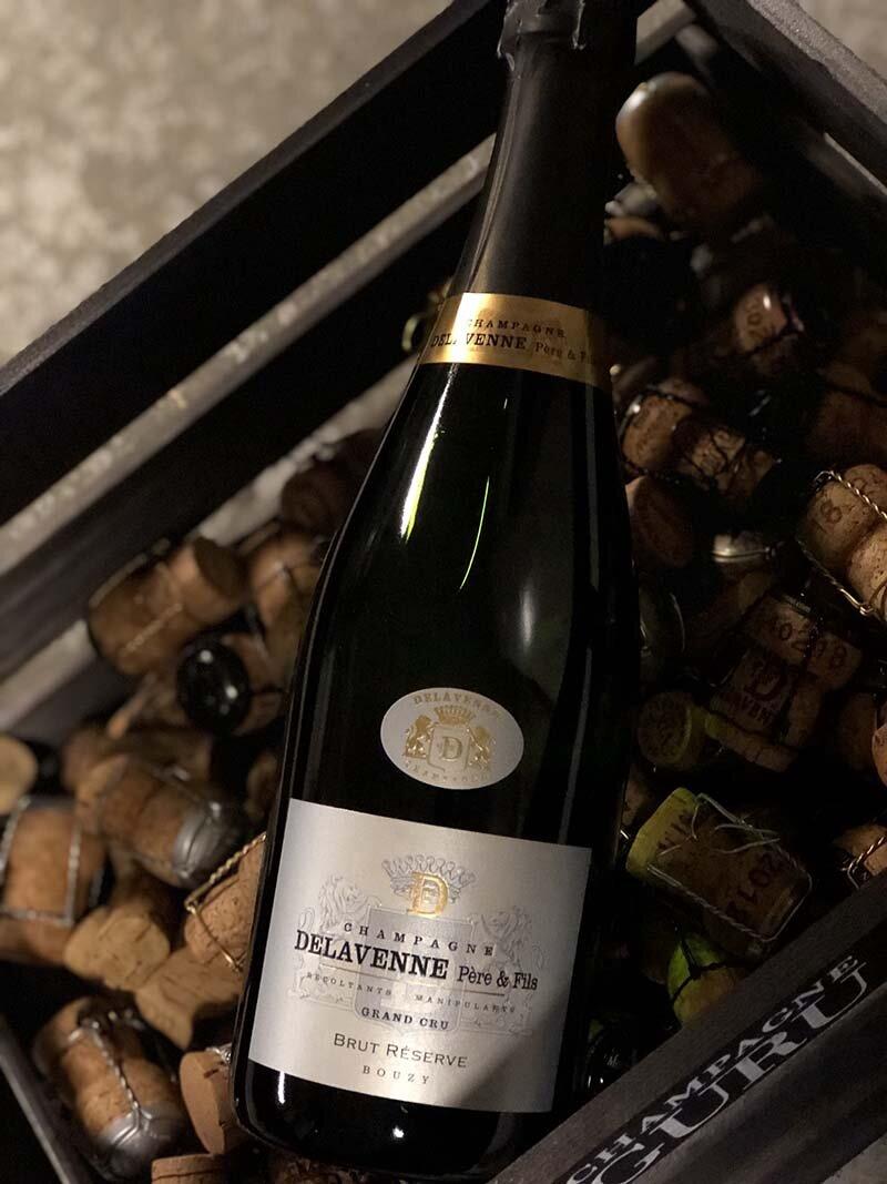 Brut Reservé Cru - Drue: 60% Pinot Noir - 40% ChardonnayTerroir: 100% Bouzy Grand cruBlanding: 80% 2012 - 20% ReservéVinificering: ståltanke, ingen malolaktisk gæringLagring: ca. 5 års lagring på flaske (bærmen)Dossage: 7 g/LFlaske: leveres i 0,75L & Magnum 1,5L