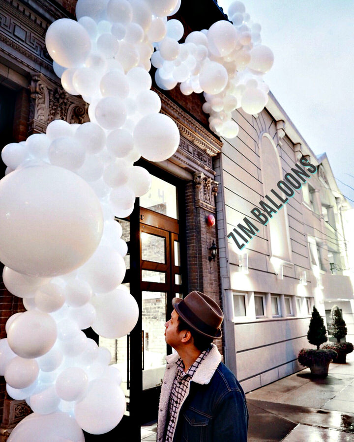 Batch SF Balloon Installation White Organic - Zim balloons.jpg