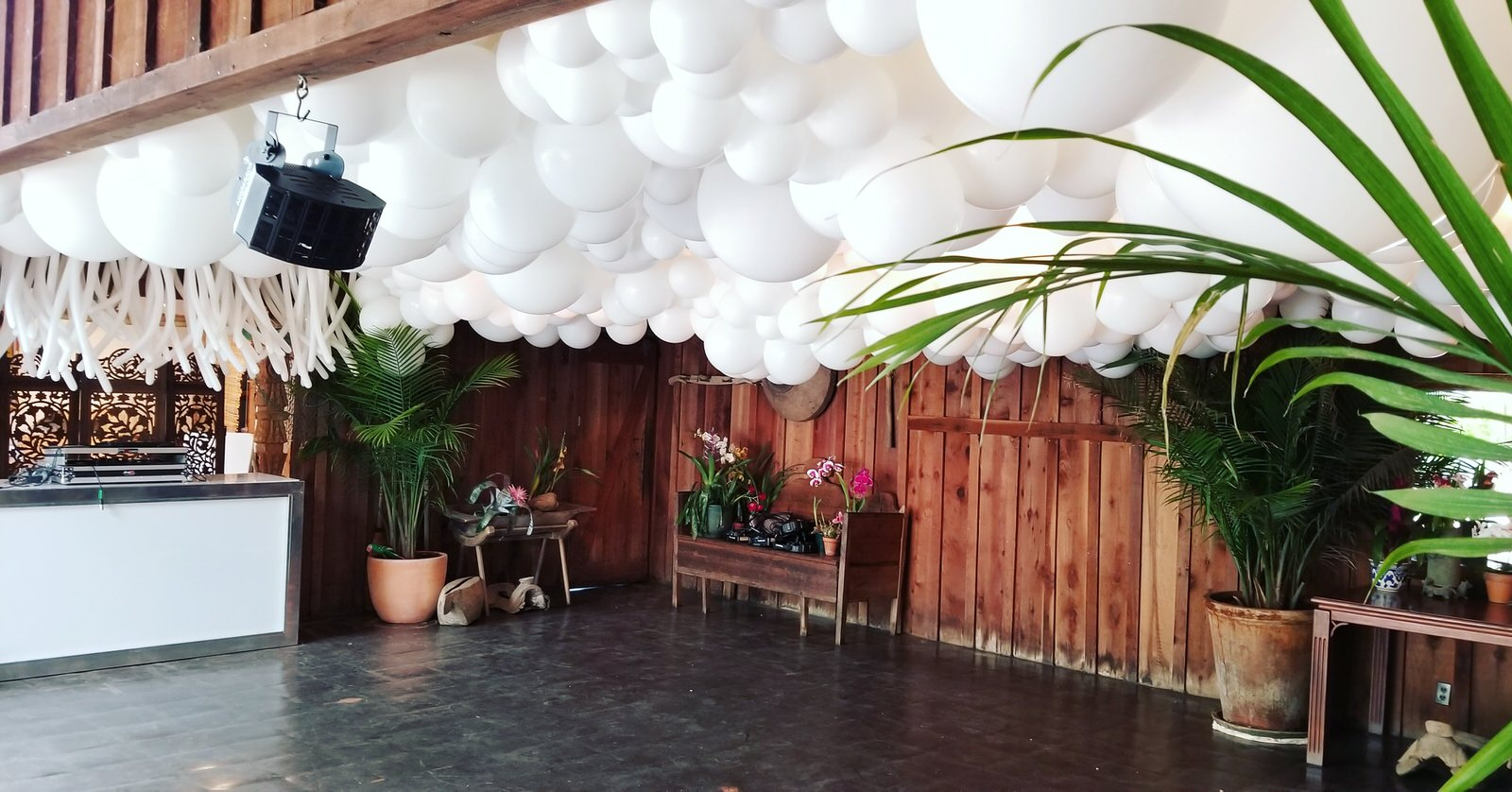 Balloon Cloud Ceiling with Squiggle Balloons DJ Booth - Zim Balloons SF Balloons.jpg
