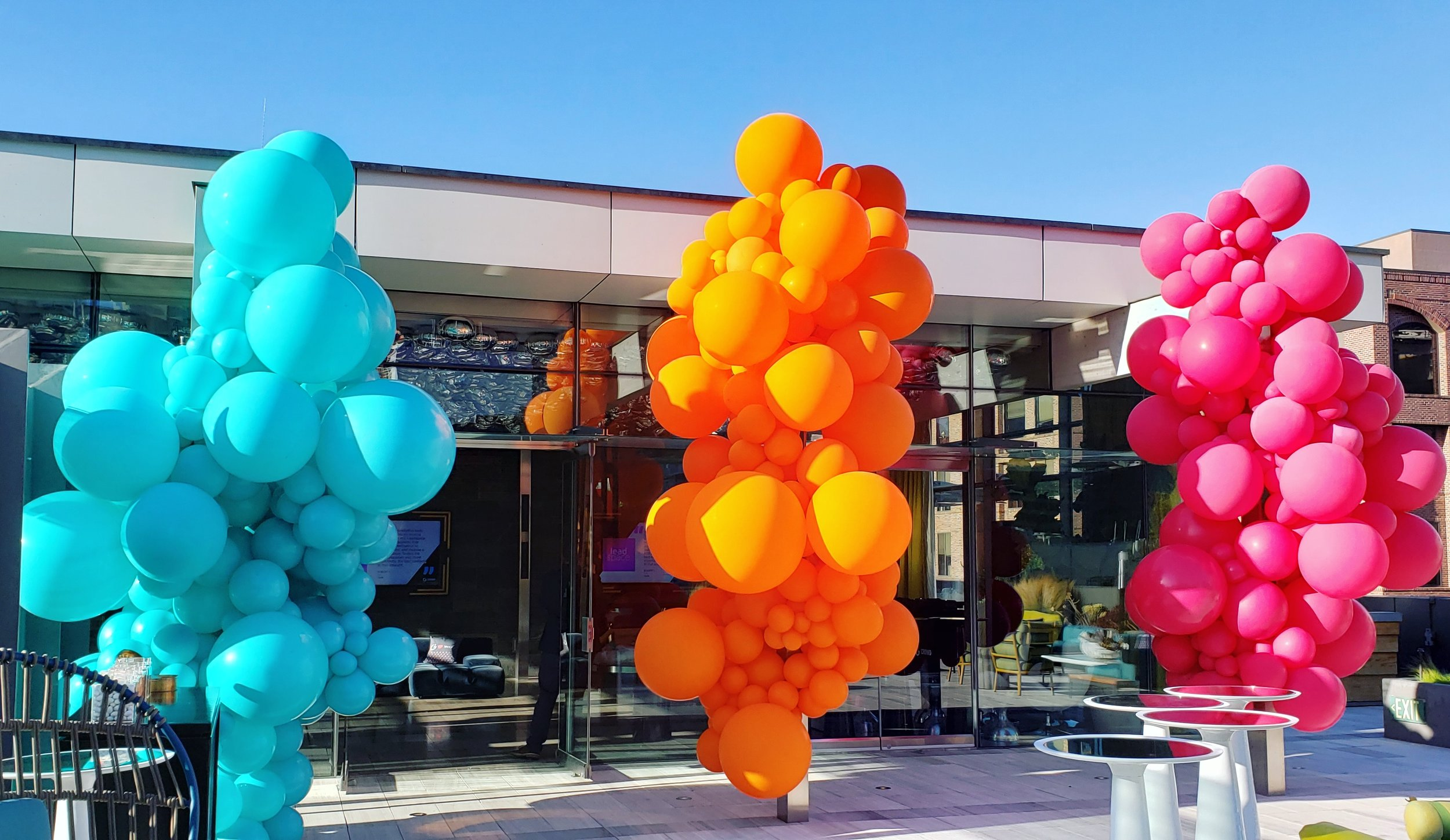Bespoke Balloons SF balloon Delivery - The Battery SF Penthouse Dreamforce - Zim Balloons.jpg