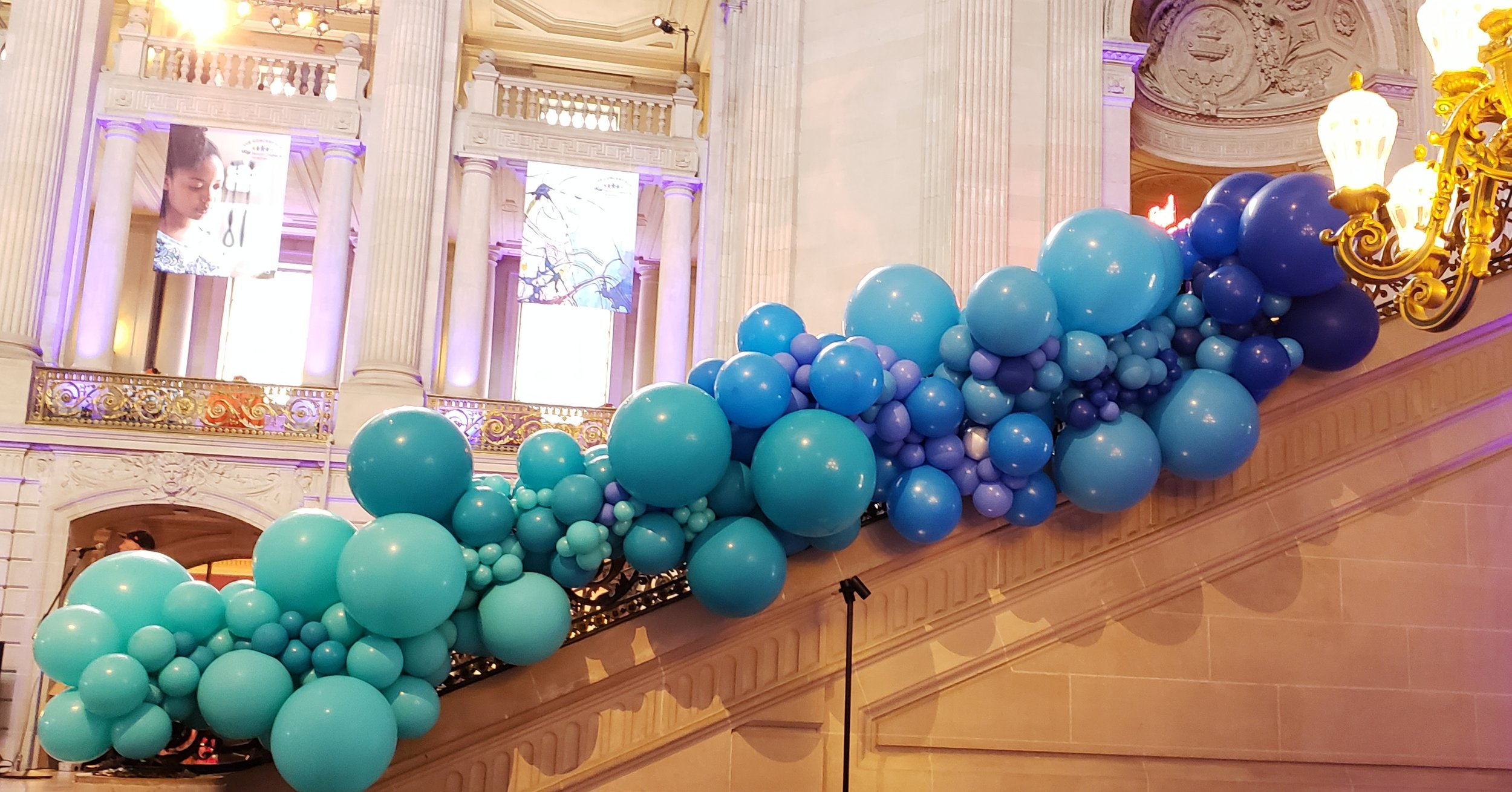Organic Balloon Garland - San Francisco Bay Area Balloon Arch - Zim Balloons.jpg