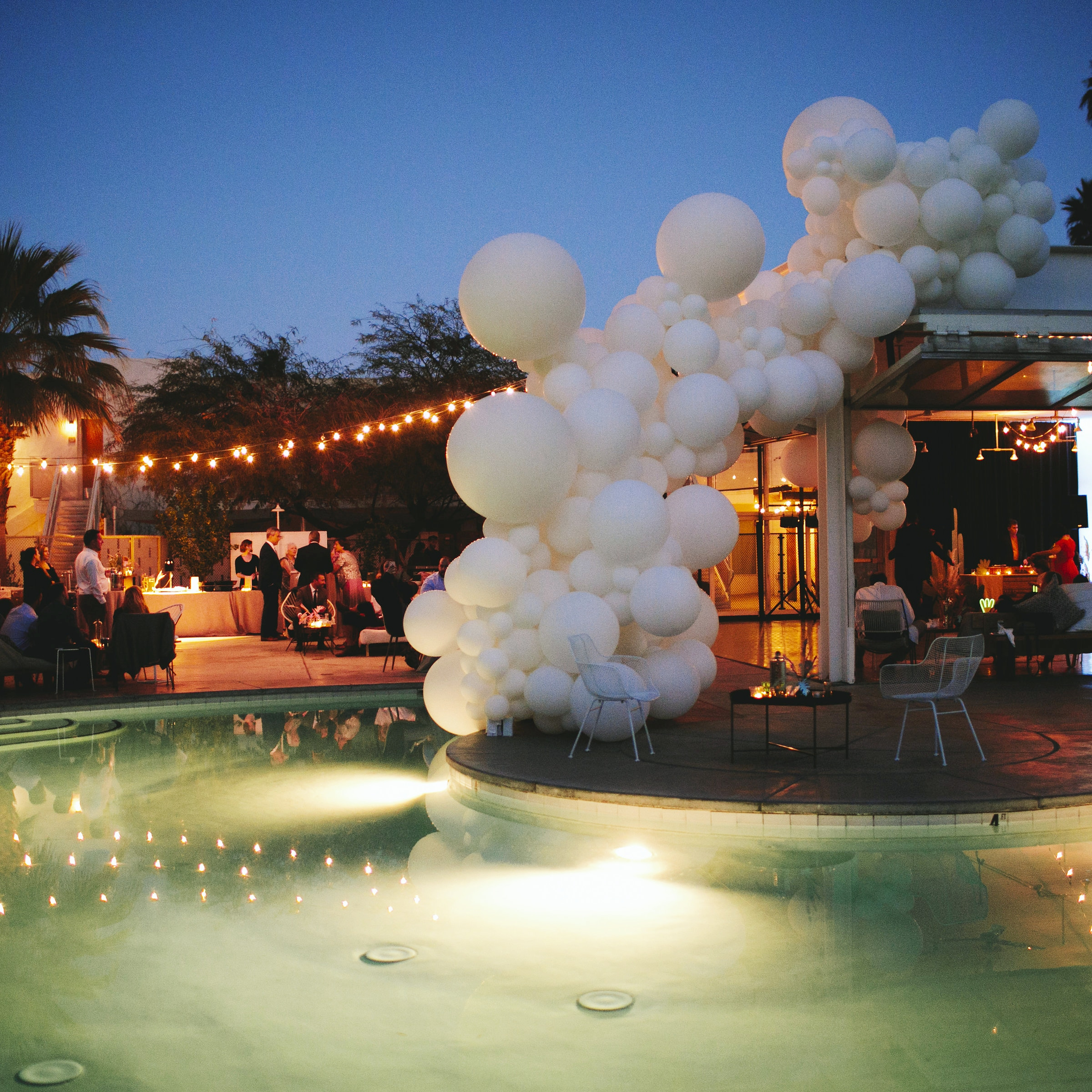 Palm Springs Wedding Balloon Art Installation - Poolside Balloon Decor - Zim Balloons.jpg