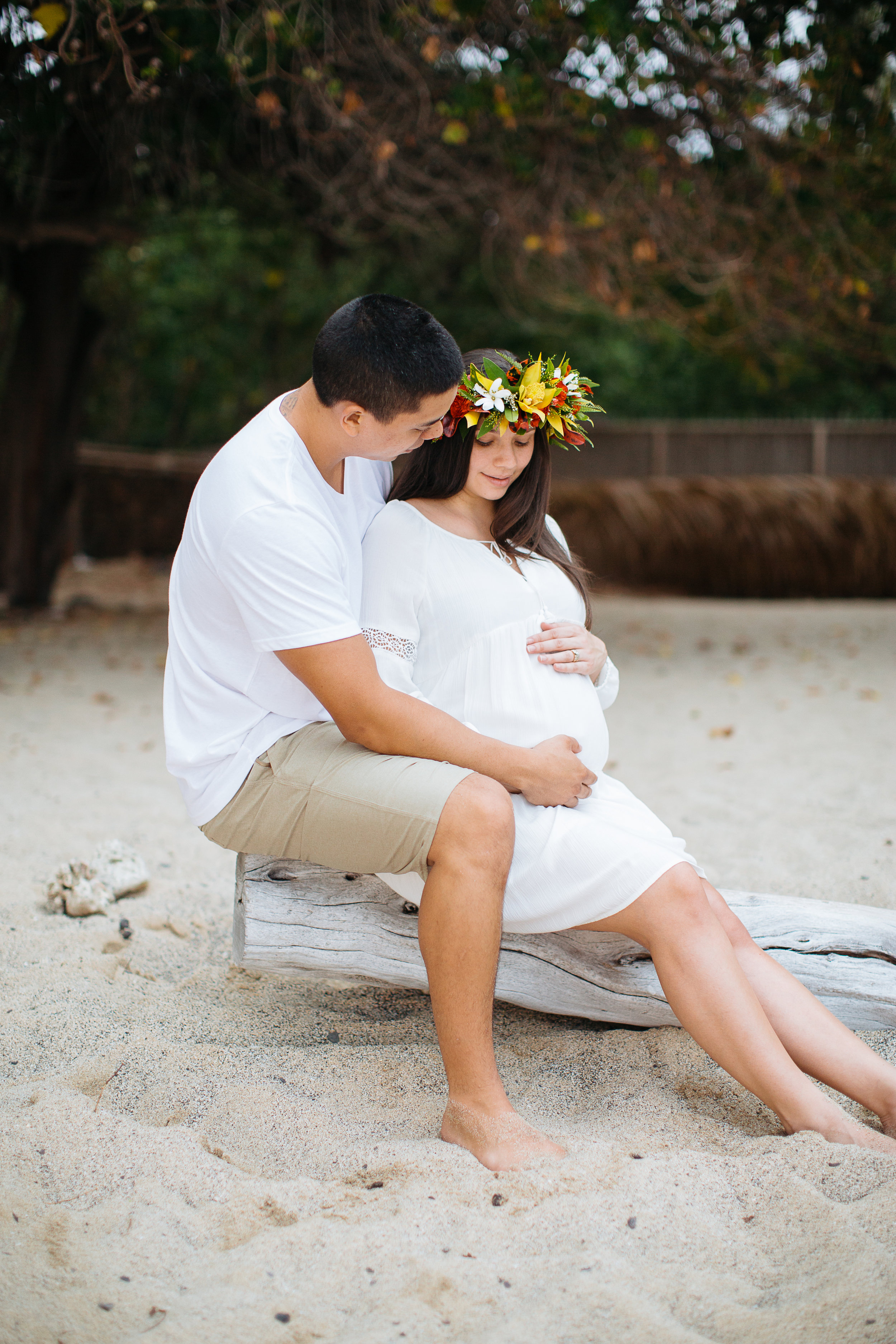 Waialea Beach Maternity Session