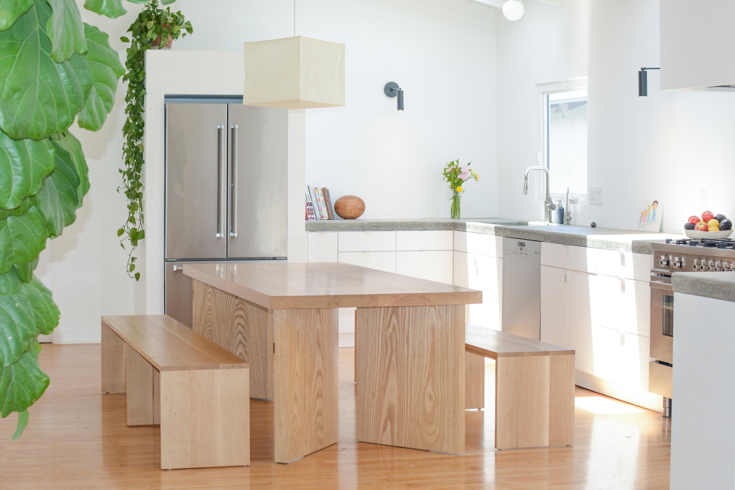 white_oak_solid_dining_table.jpg