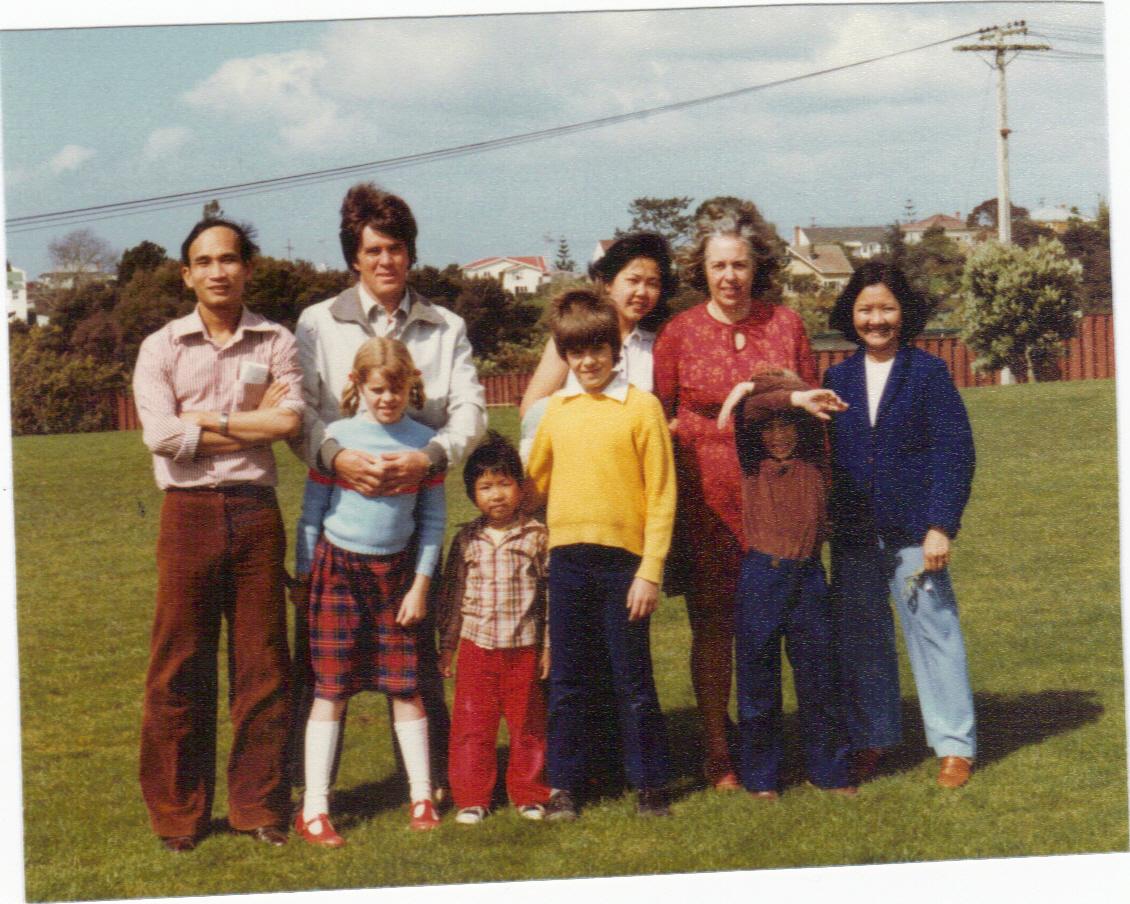 L-R back to front: Phero, David, Anna, Elizabeth, name unknown, Kezia, Kim Don, Nicolas and Simon. Image credit: Janice Norton. 1983.