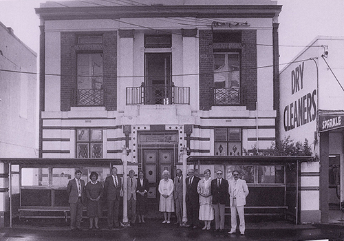 Takapuna Mayor and Councillors in front of the old Lake Road Council chamber. Image credit: Angela Te Wiata. Date unknown.