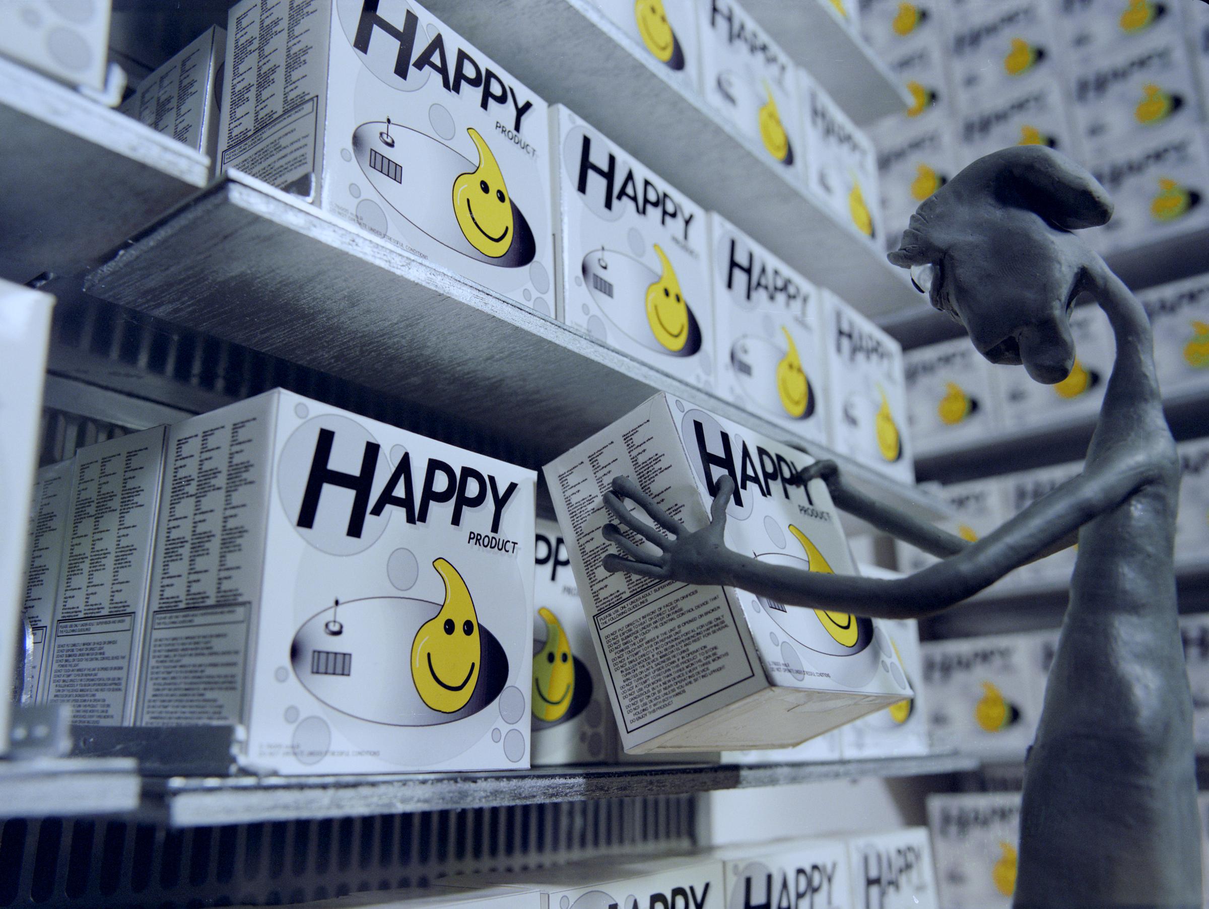 MORE_stills_017_happystore.jpg