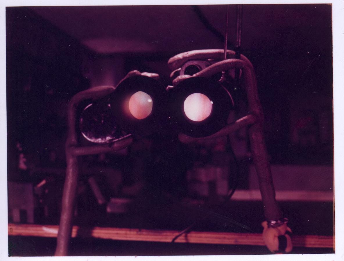 Glowinggoggles3.JPG