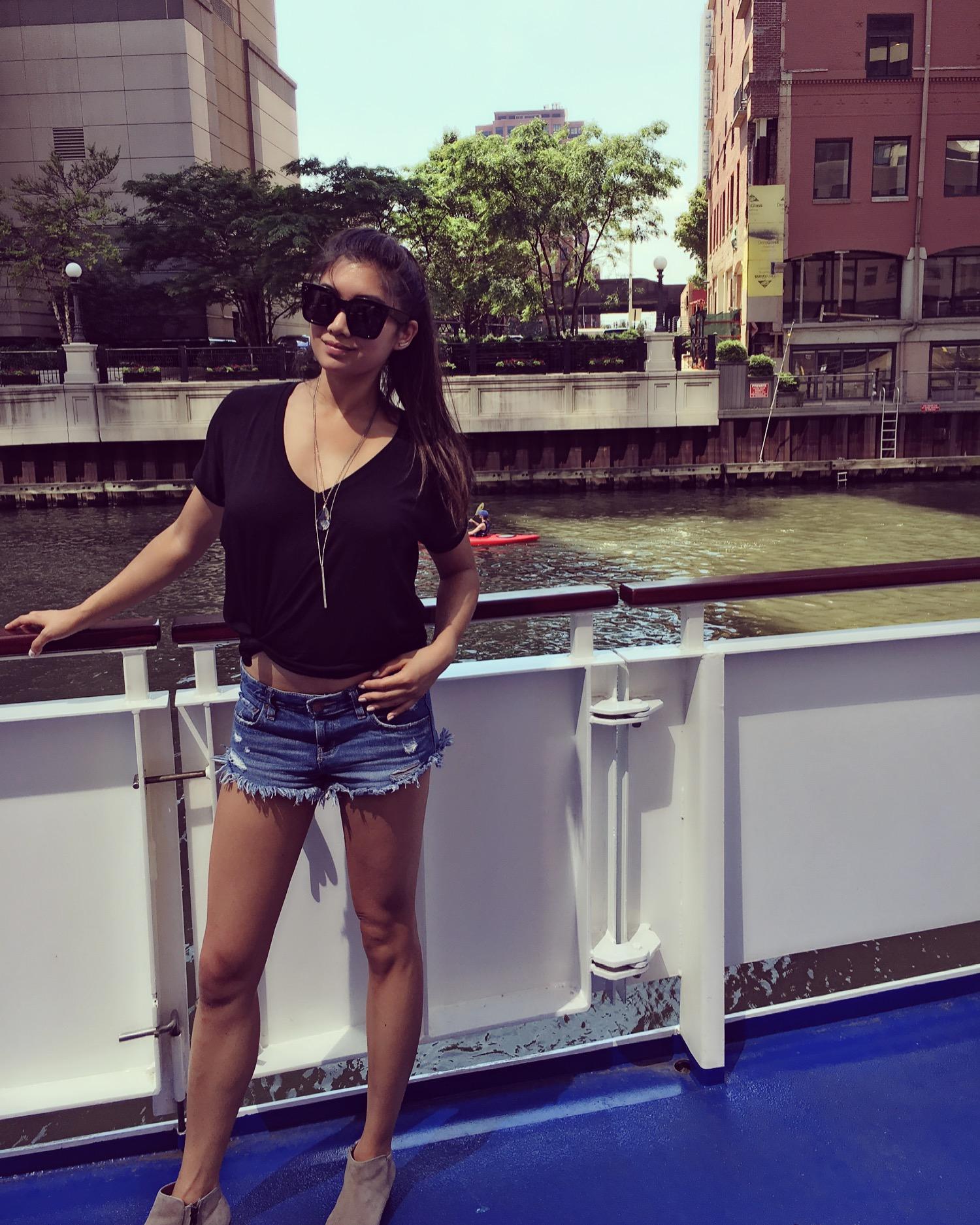 Chicago_boat.jpeg