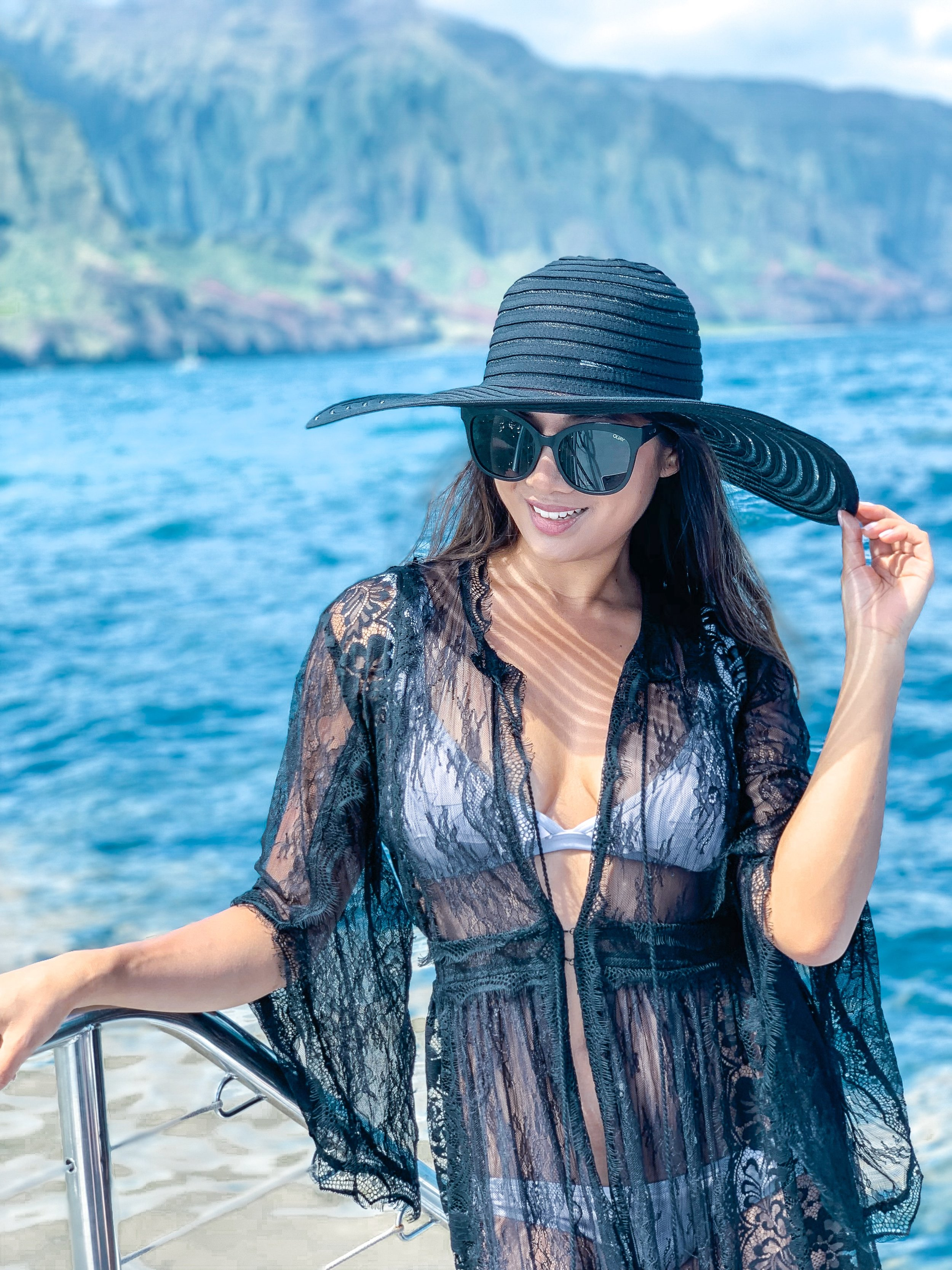 On Captain Andy's Boat Tour: Shop my look:   kimono  ,   hat  ,   sunnies  ,   swimsuit