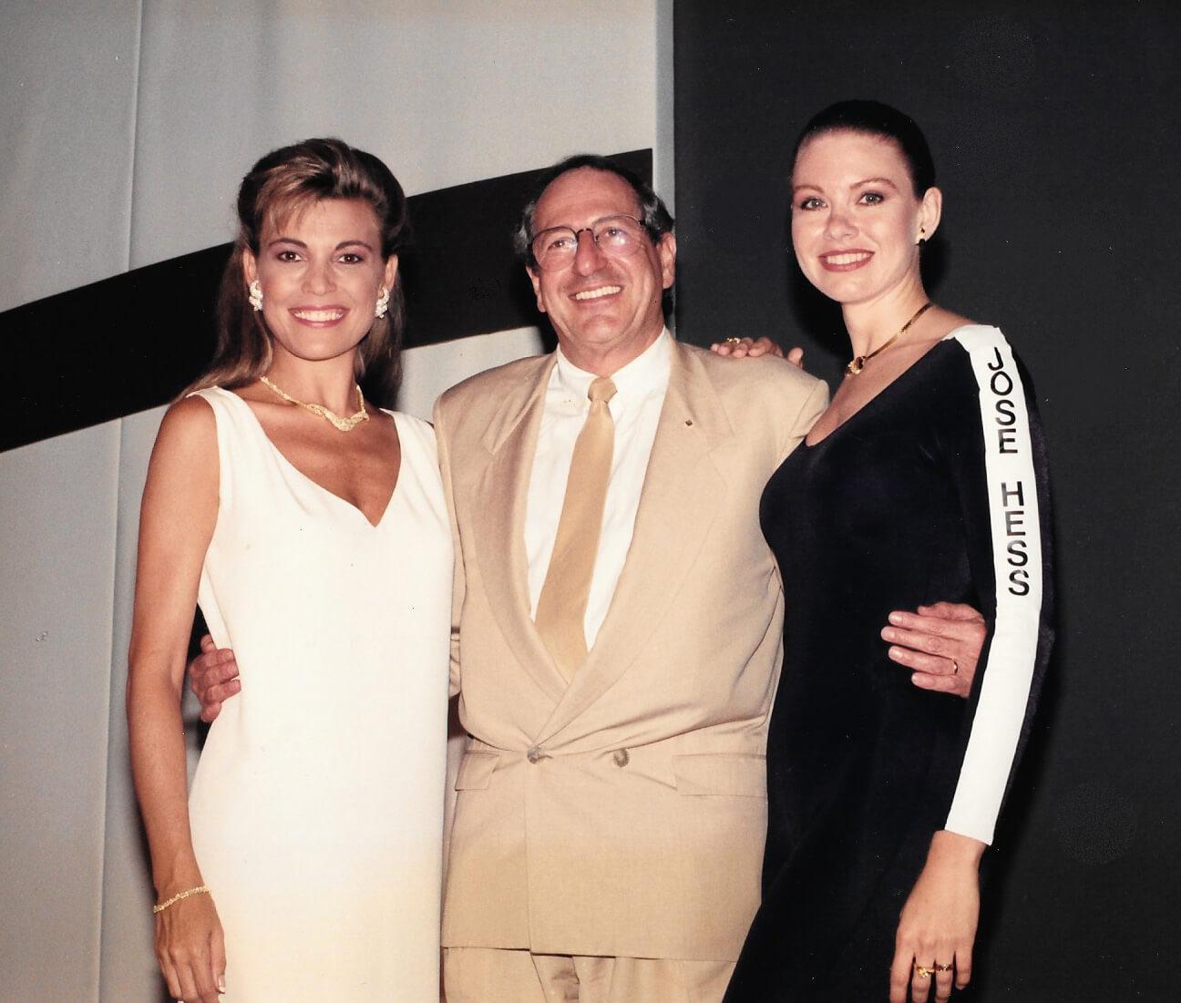 Jose Hess and Vanna White.jpg