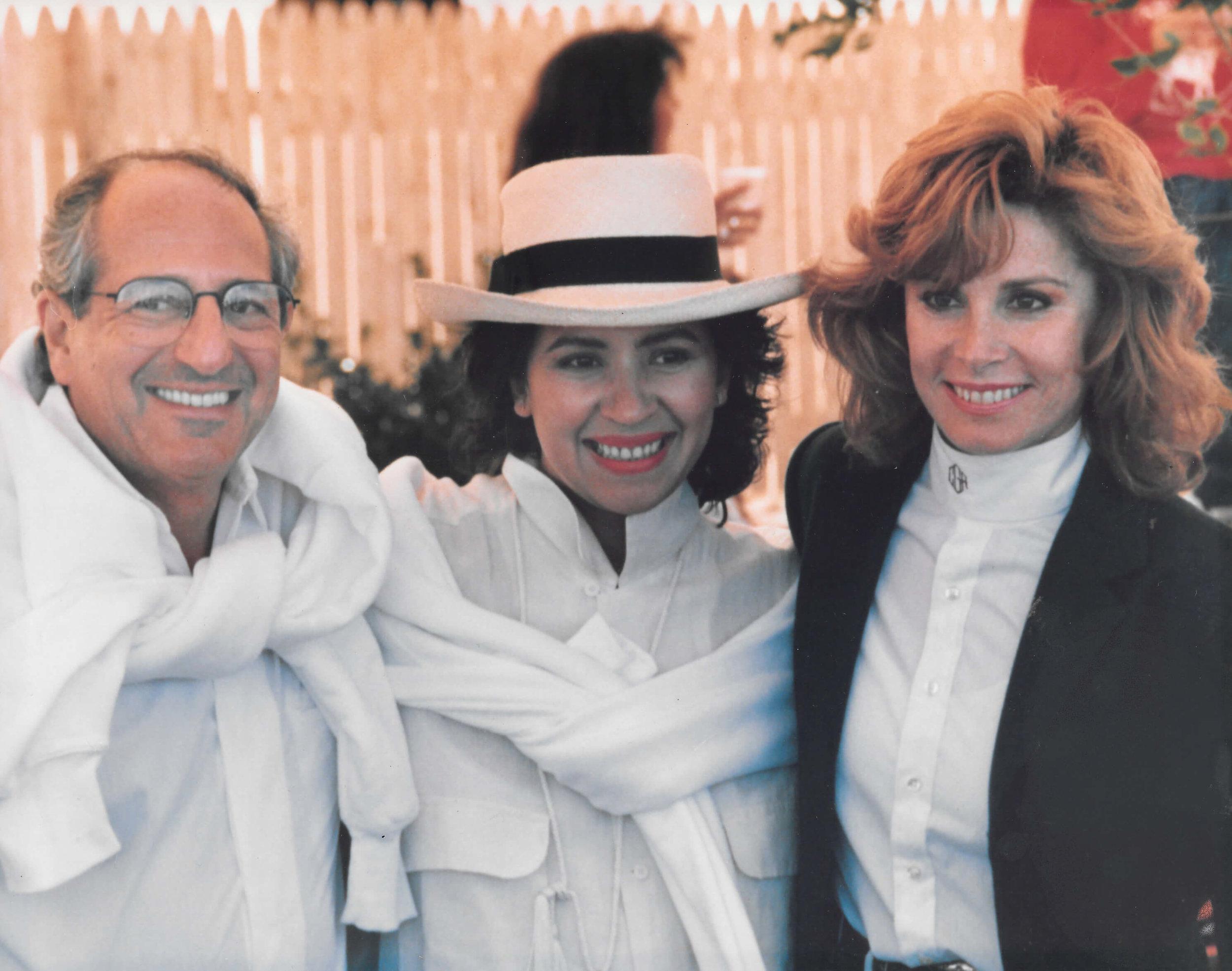 Jose Maggie Hess and Stefanie Powers 1991.jpg