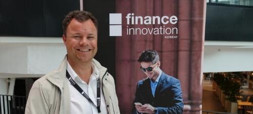 Atle Sivertsen i Finance Innovation inviterer nå nyoppstartede fintechselskaper til å melde sin interesse om plass i inkubatoren som åpnes til høsten i Bergen. (Foto: Stig Øyvann)