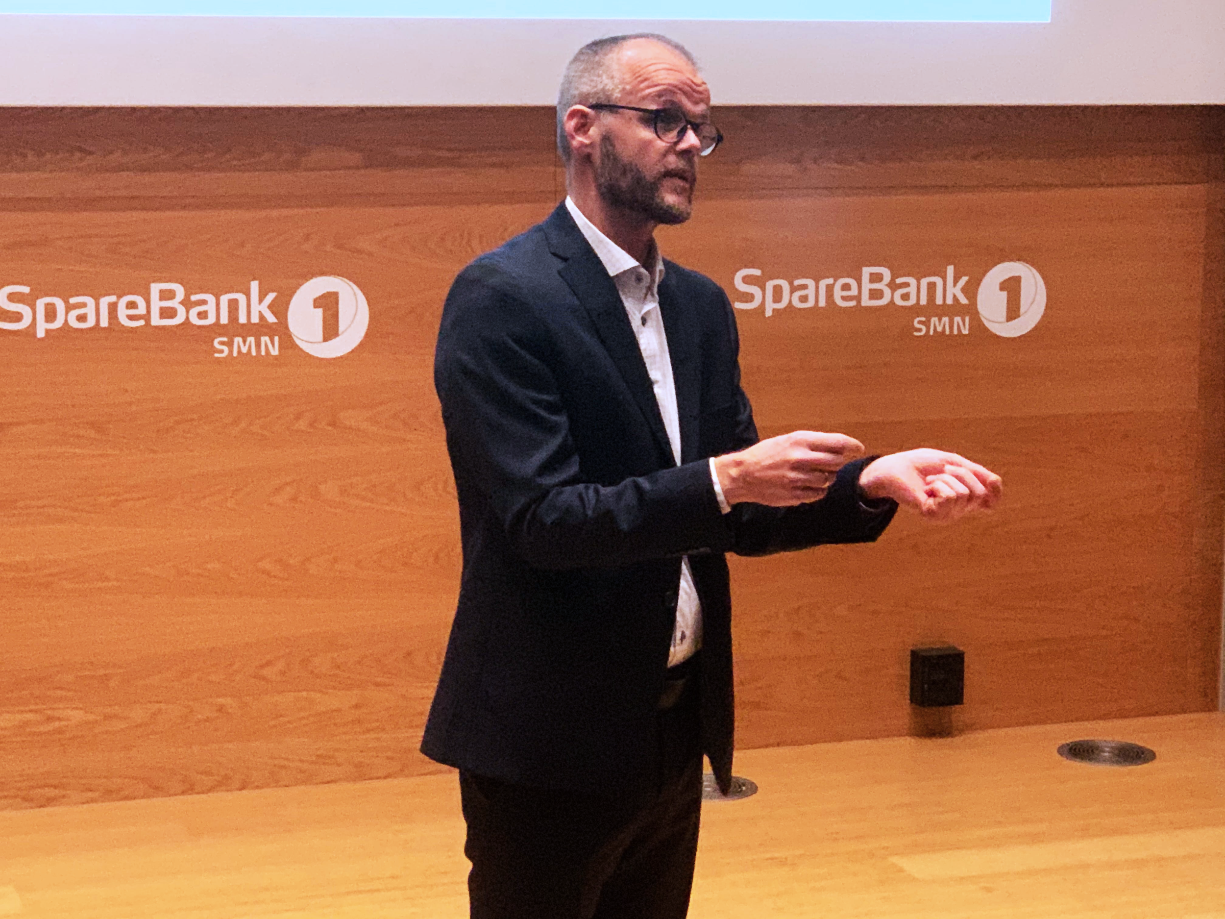 Knut Haugan speaking about the regulatory sandbox in SpareBank1 SMN's headquarters in Trondheim. Photo: Håkon Lavik