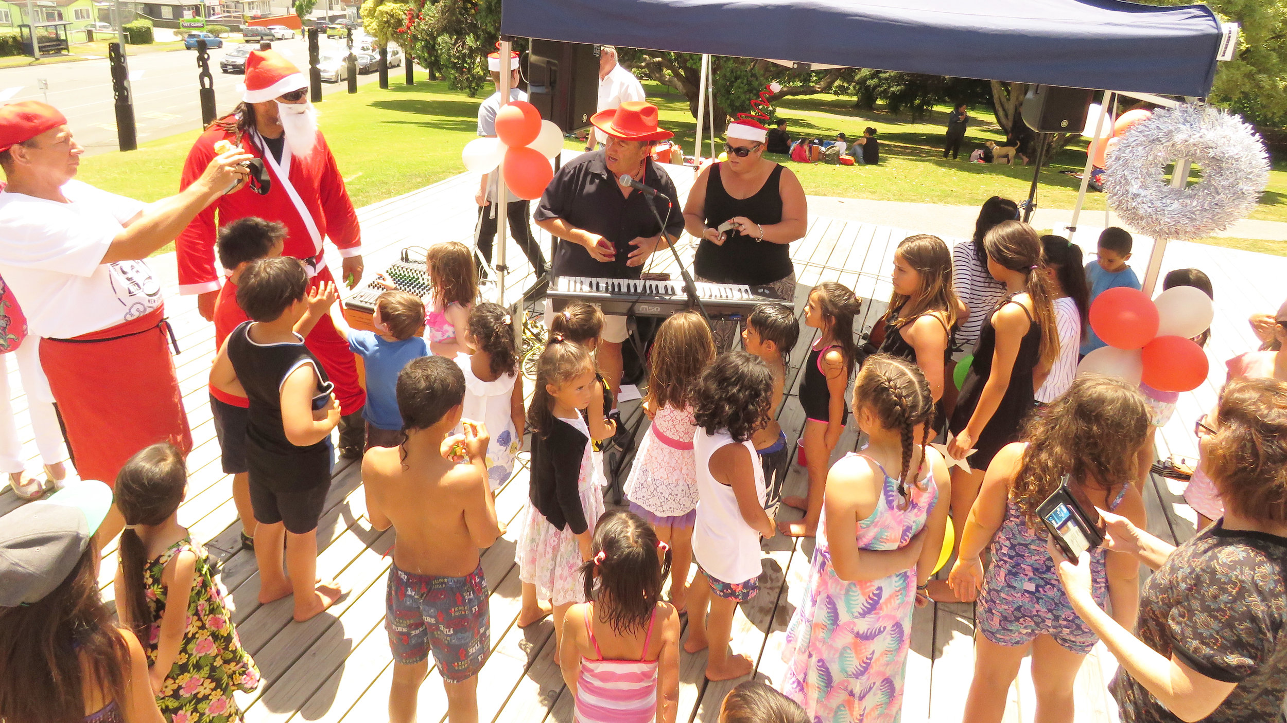 Held a Community Christmas Whanau Day - for over 50 whānau within our Whare 4 Whanau Transitional houses and the community, thanks to the generosity of local philanthropists Paul and Cheryl Adams, Barbara Hogg and Angela. Families enjoyed a day filled with Christmas spirit, beautiful kai, music, activities for the kids and whānau, and amazing gifts for everyone to take home!