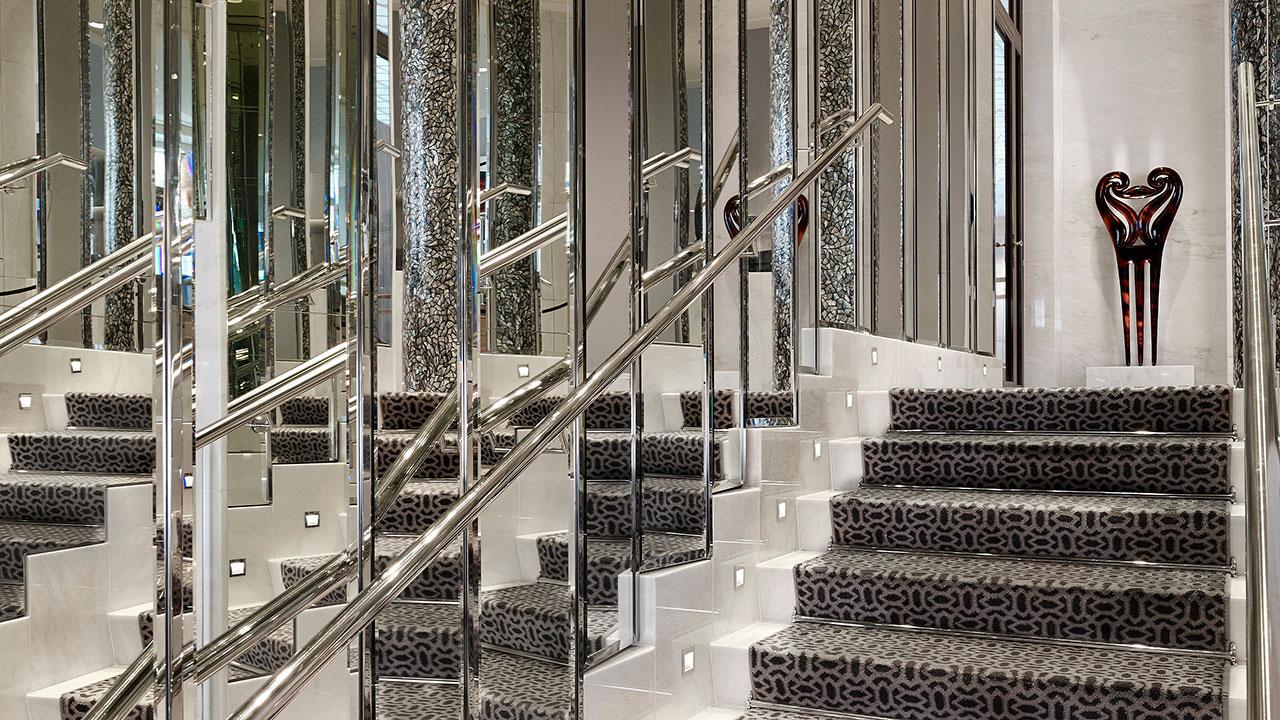 Park-Hyatt-Vienna-P109-Pearl-Bar-Staircase-1280x720.jpg