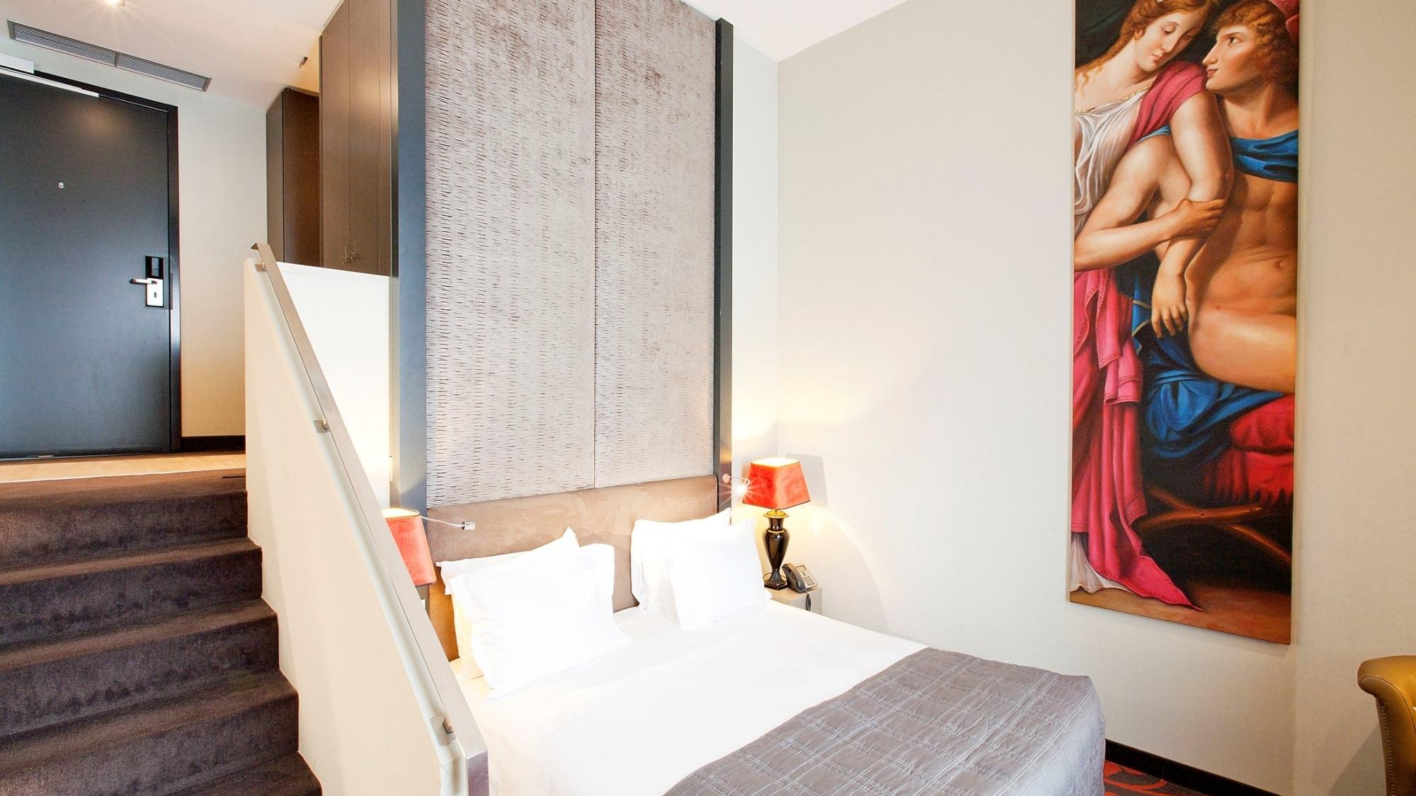 room-loft.jpg