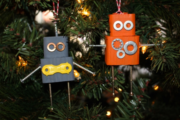 DIY+Robot+Christmas+Ornaments+from+Weekend+Craft.jpg