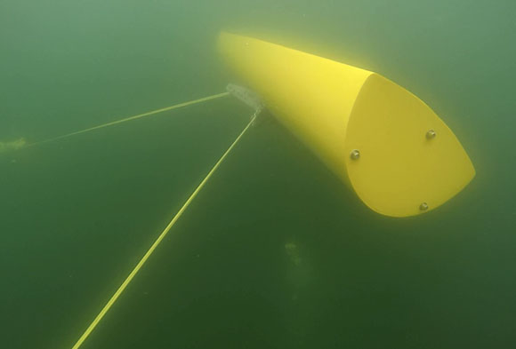 - During a particularly heavy storm, the converter was confronted with its first endurance test. With waves of up to 0.8 m, which would be eight meters with respect to the scale, all components remained undamaged. The converter was successfully tested during normal operation as well as in safety mode, whereby the body is plunged into deeper water with less movement.