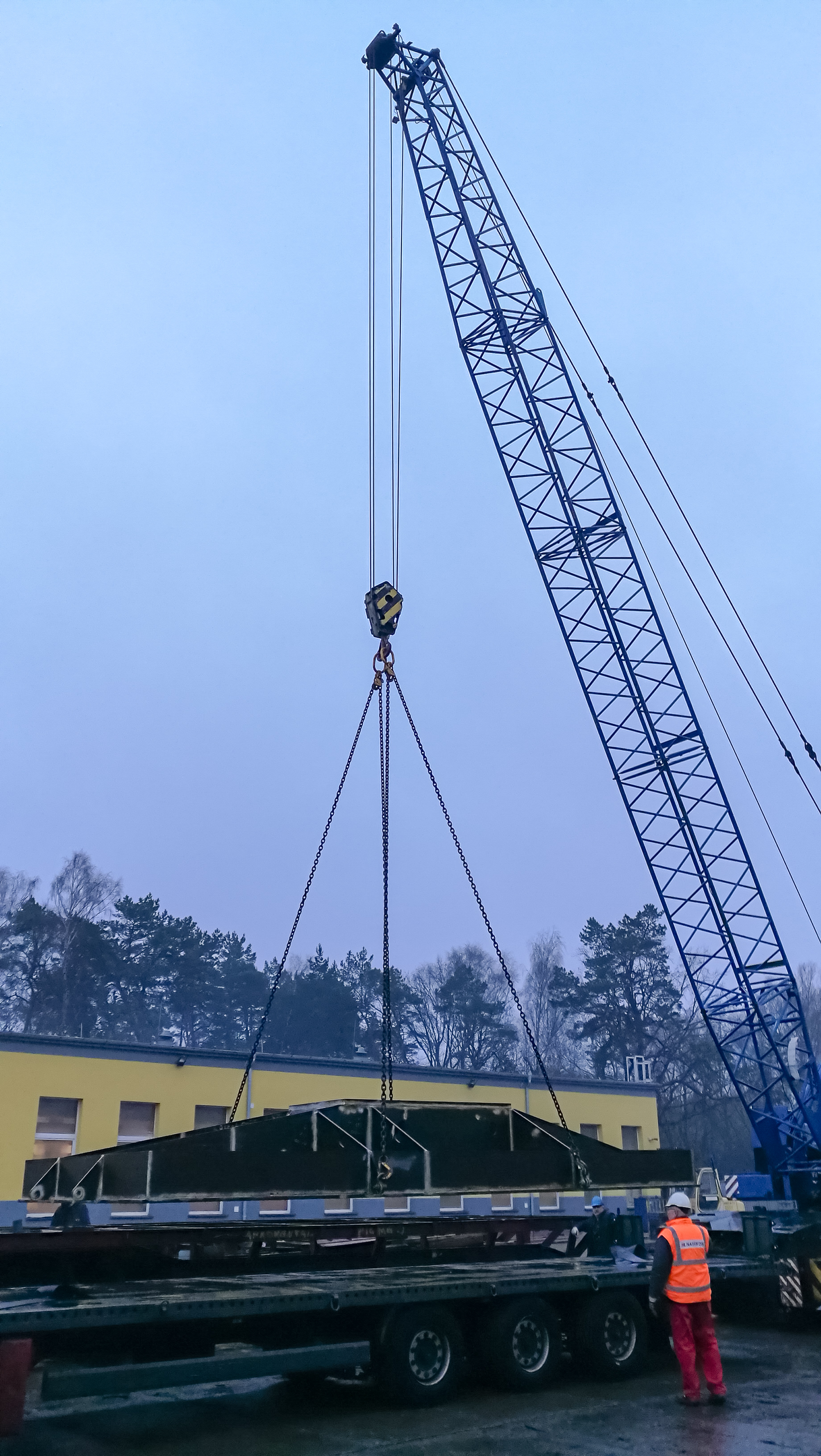 - NEMOS can look back at 2018 as an exciting and successful year. Good progress has been made on the design and construction of the 2019 Research Tower, due to be installed in Oostende in 2019. Today, the premanufactured foundation for the top structure was delivered to NAVIKON SRY LTD in Poland. In the following weeks, NAVIKON will manufacture the rest of the powerhouse on top of the foundation. The boat landing for the Ostend Research Tower is also being manufactured by NAVIKON, with the tower structure being manufactured in Germany by EEW. Once complete, the research structure will weigh approximately 80 tons.Meanwhile, the NEMOS team is working to finalise the design of the 2019 Wave Energy Converter Prototype. The first components have already been ordered, and the team is looking forward to sea-testing the new prototype in the New Year. The new machine has an 8 by 2 meter floater, connected via belts to a generator mounted on a submerged, high hydrodynamic resistance structure. This design minimises mooring loads and significantly reduces the cost of installation.The NEMOS team would like to take this opportunity to thank all its supporters and suppliers for their assistance and advice over the past year. Happy Holidays!