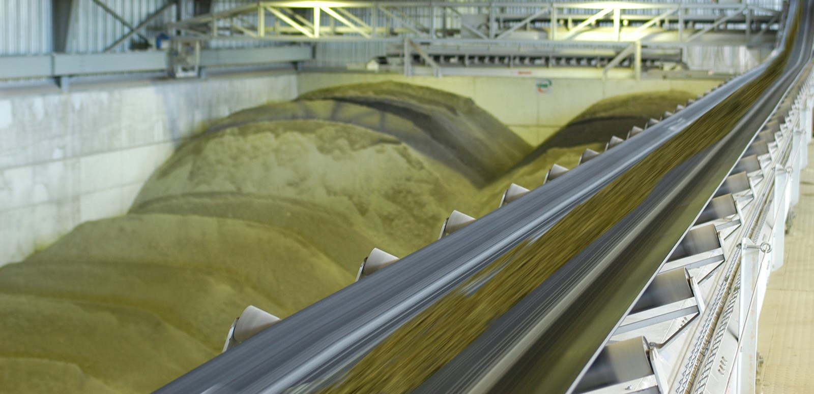 energy from waste facility conveyor belt