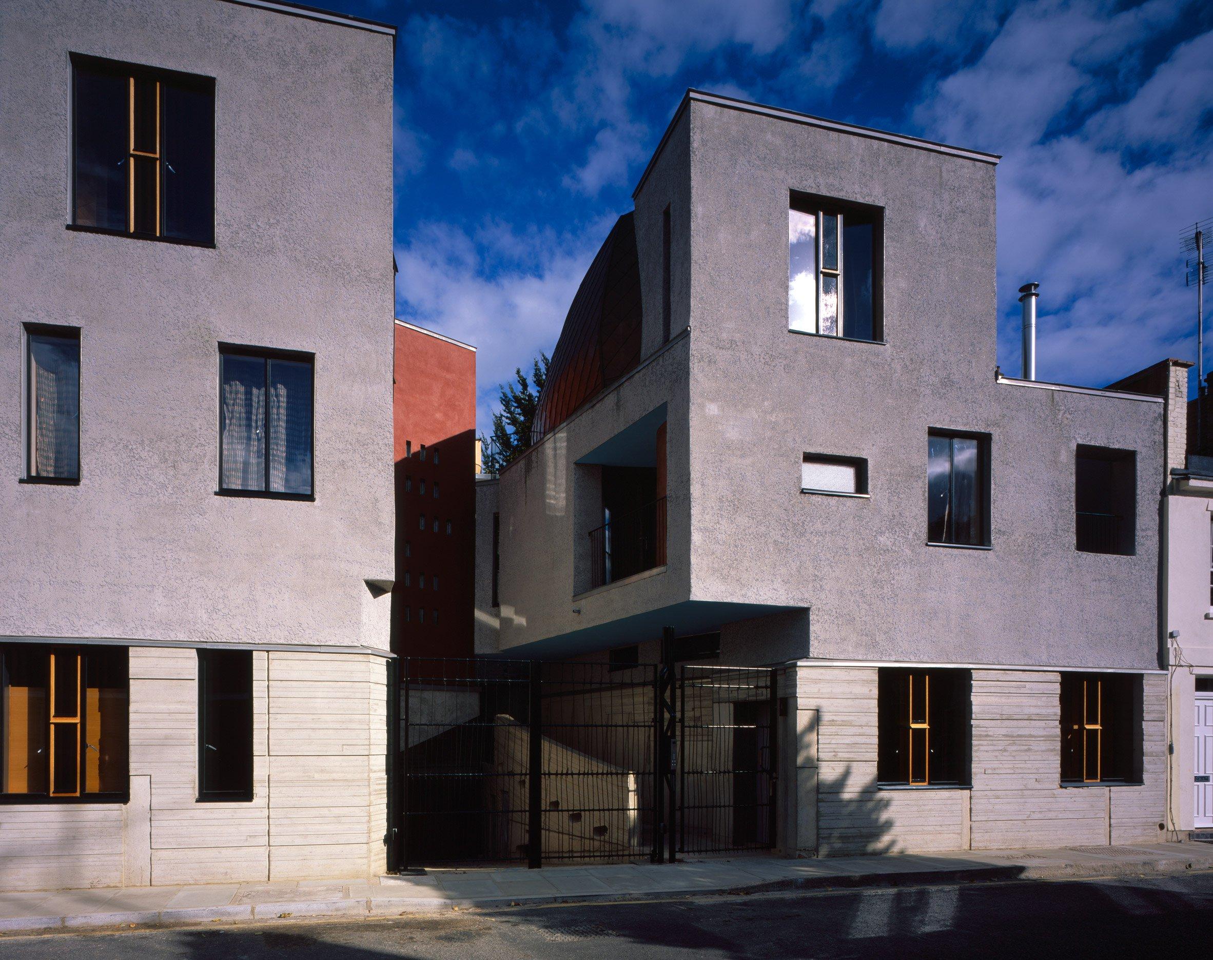 walmer-yard-architecture-residential-peter-salter-uk_dezeen_2364_col_3.jpg