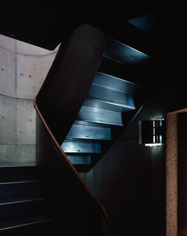 walmer-yard-architecture-residential-peter-salter-uk_dezeen_2364_col_5.jpg