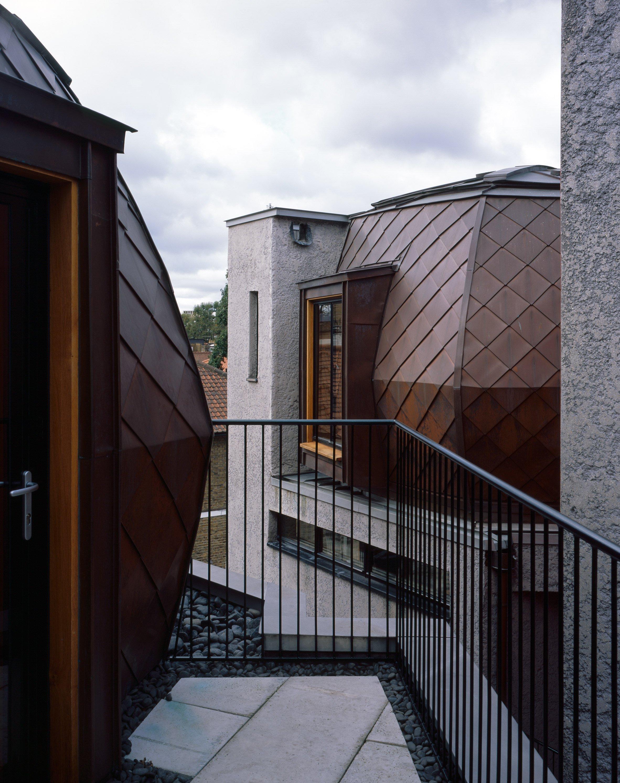 walmer-yard-architecture-residential-peter-salter-uk_dezeen_2364_col_10.jpg