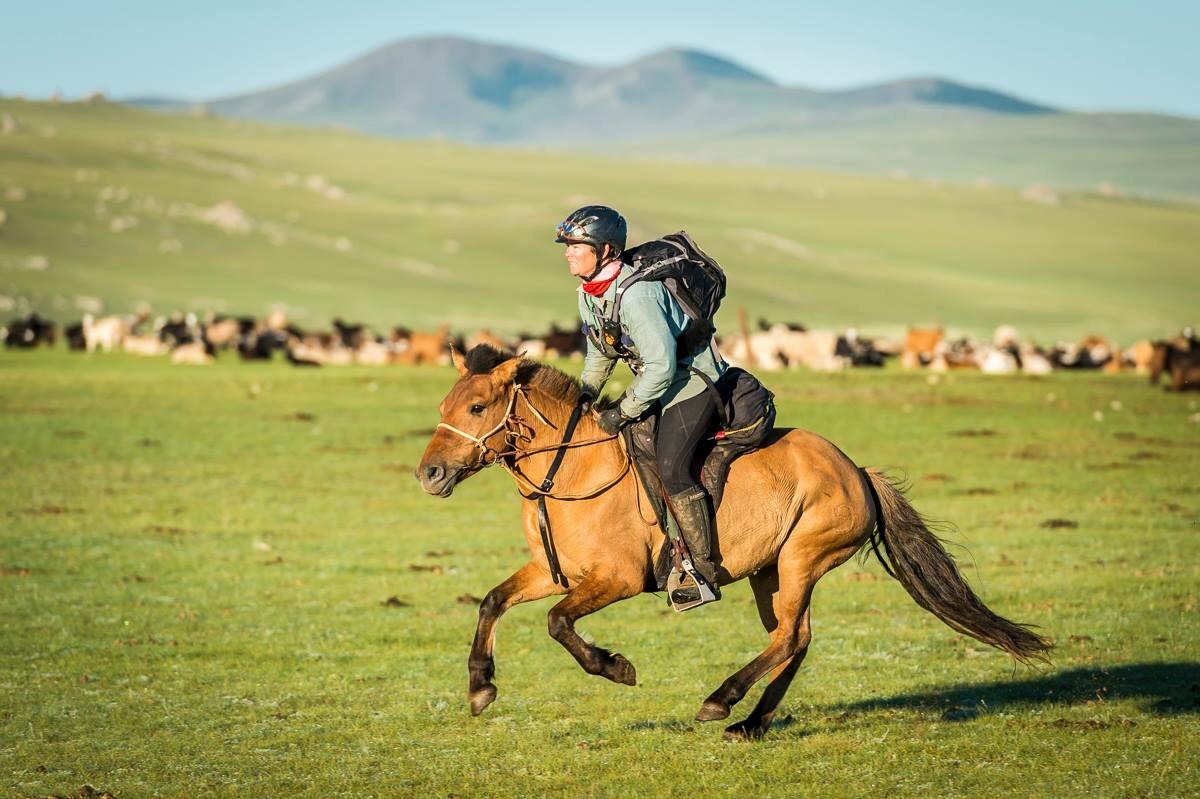 Mongol Derby 2014 Winner Sam Jones to Compete in the Gobi Desert Cup - Endurance World