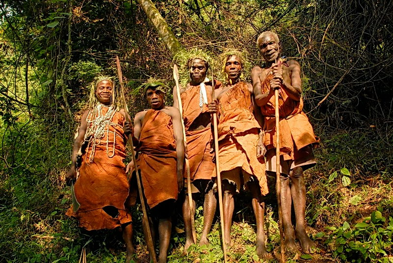 Visit the Garama caveand help the indigenous Batwa people keep theirculture alive. -