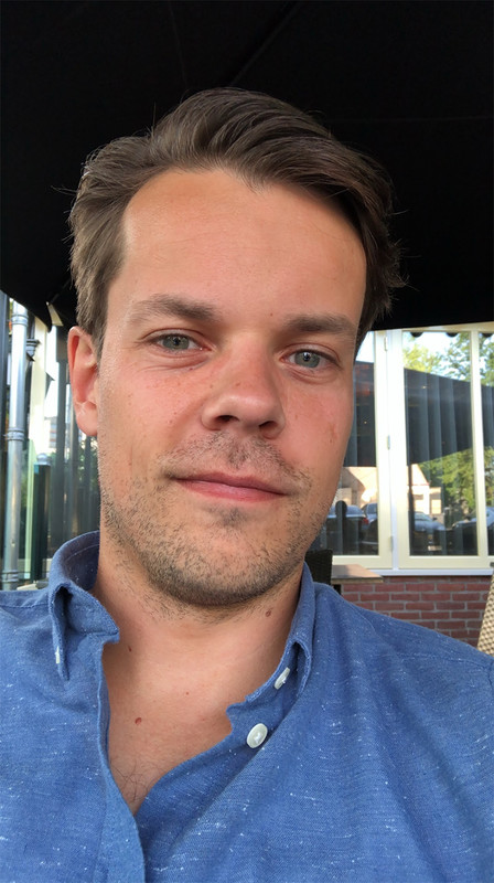 Roman Villevoye - Born in Maastricht, The Netherlands, on the 21th of February 1987.Graduated the Academy of Fine Arts Maastricht in 2009.Started own film production company in 2010, focusing on social media promo films for businesses.Started a new company in 2015 (Studio Selvedge) working on Fashion Films for fashion companies, designers and shows. Based in Amsterdam & Eindhoven