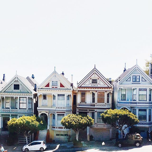 The Painted Ladies are beautiful! Love the architecture 🏡🏘🏡