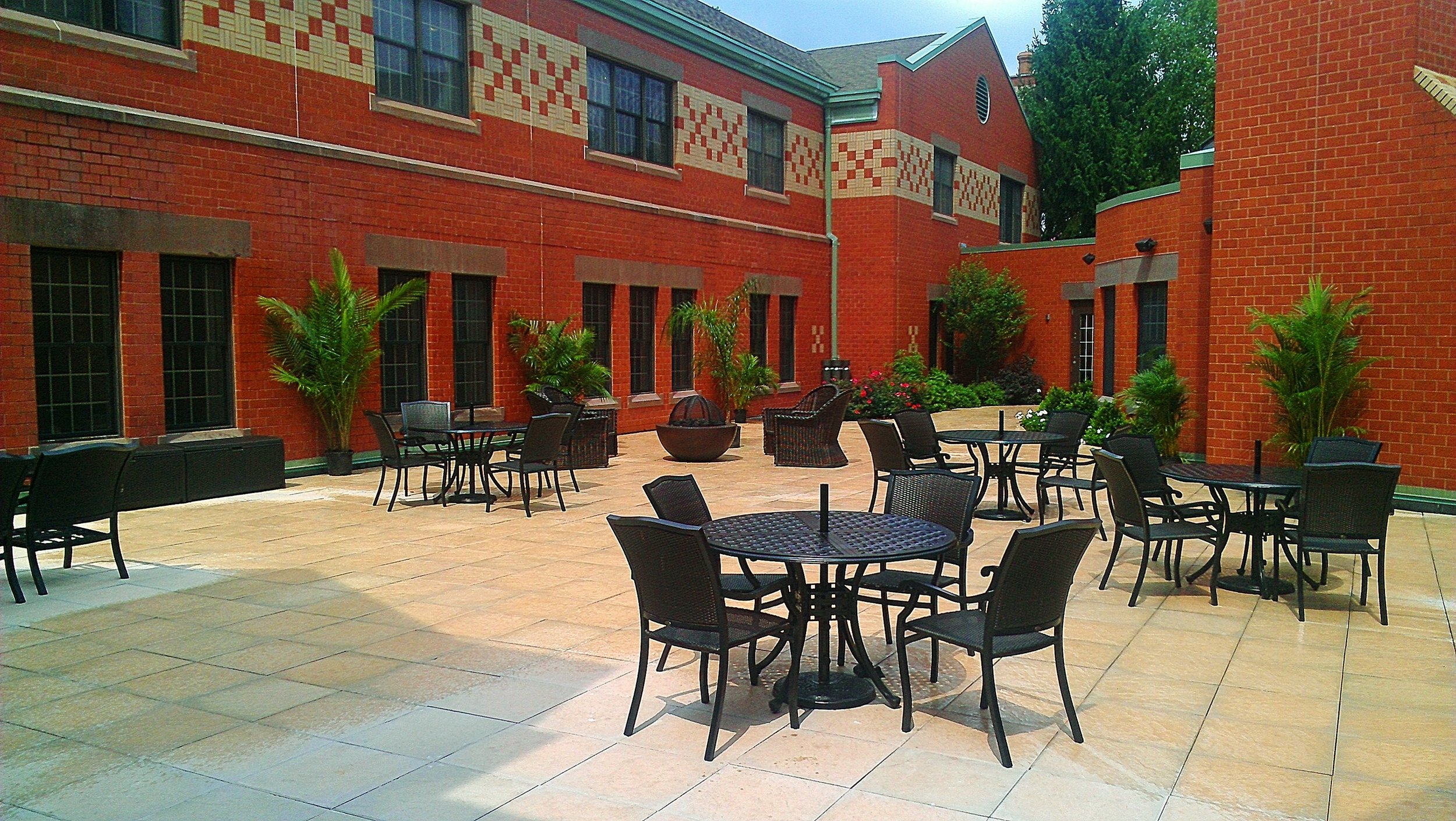 Rooftop Floating Patio Installation and Plantings