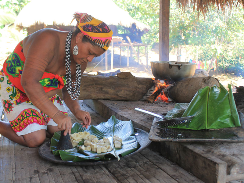 Lunch in Panama with the Emberá Tribe(video) - SAVEUR