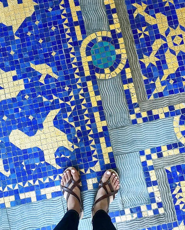 Got to go to Hearst Castle for the first time today. 🏰 It's an old Mediterranean-style estate in San Simeon made up of 115 rooms in the main house alone! My favorite parts were the incredible ocean view and all the intricate tile work. 😍 It's a great activity to do if you're looking for a day trip from LA! Such a pretty drive up the coast. -Diane . . . . . . #architecture #hearstcastle #tile #tilework #design #homedesign #floor #beautiul #intricate #beachhouse #tour #saturdayvibes #beauty #california #centralcoast #daytrip #mediterranean #colorful #color #getaway #weekendgetaway #weekend #relax #tourist #prettyview #housegoals #goals #designgoals #waves #calilife